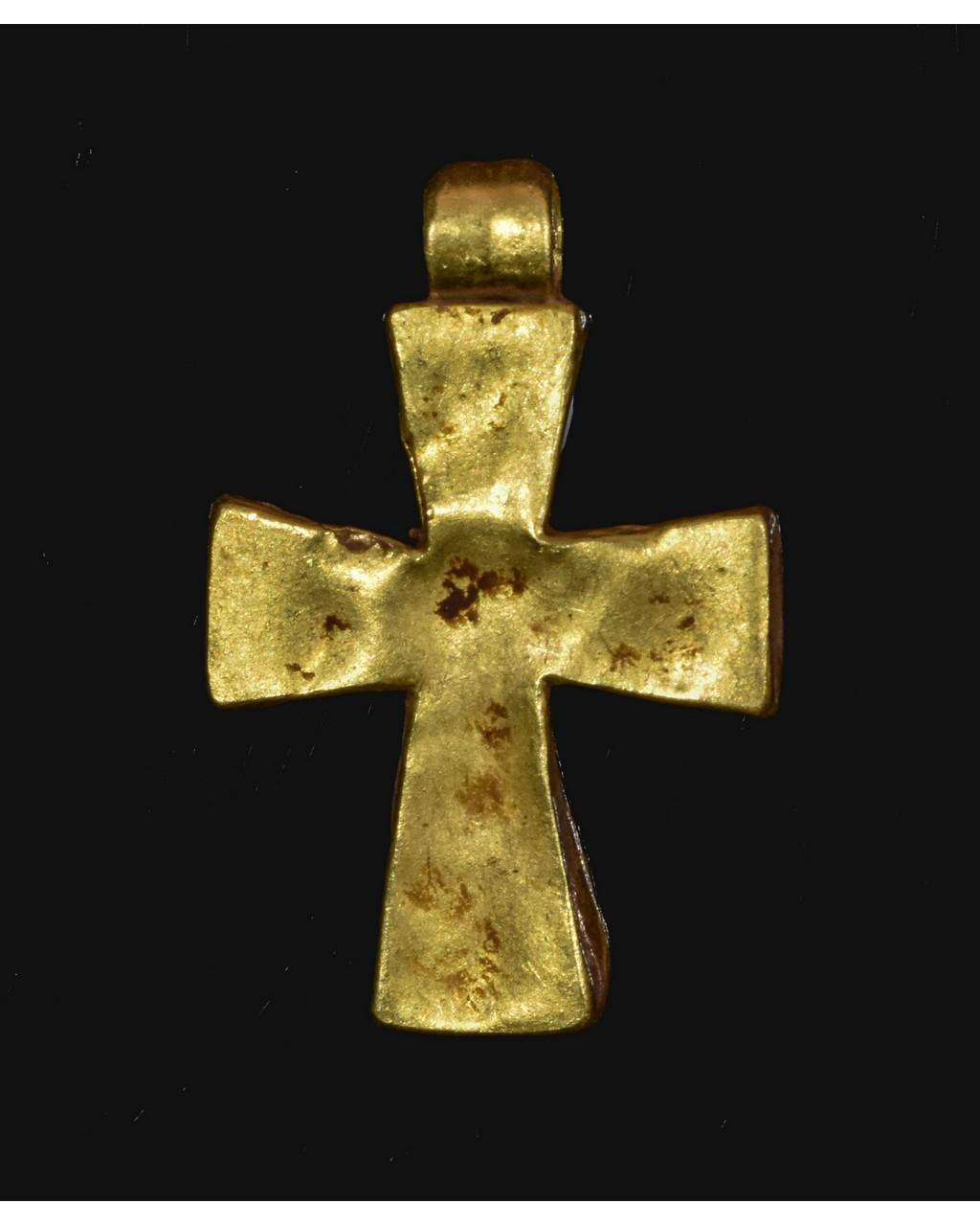 Lot 4 - BYZANTINE GOLD CROSS WITH STONE