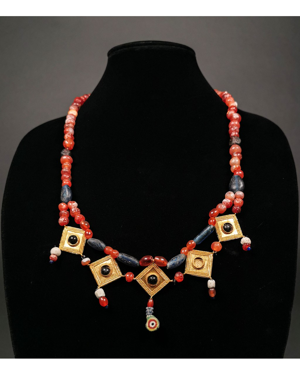 Lot 12 - GREEK GOLD AND STONE NECKLACE