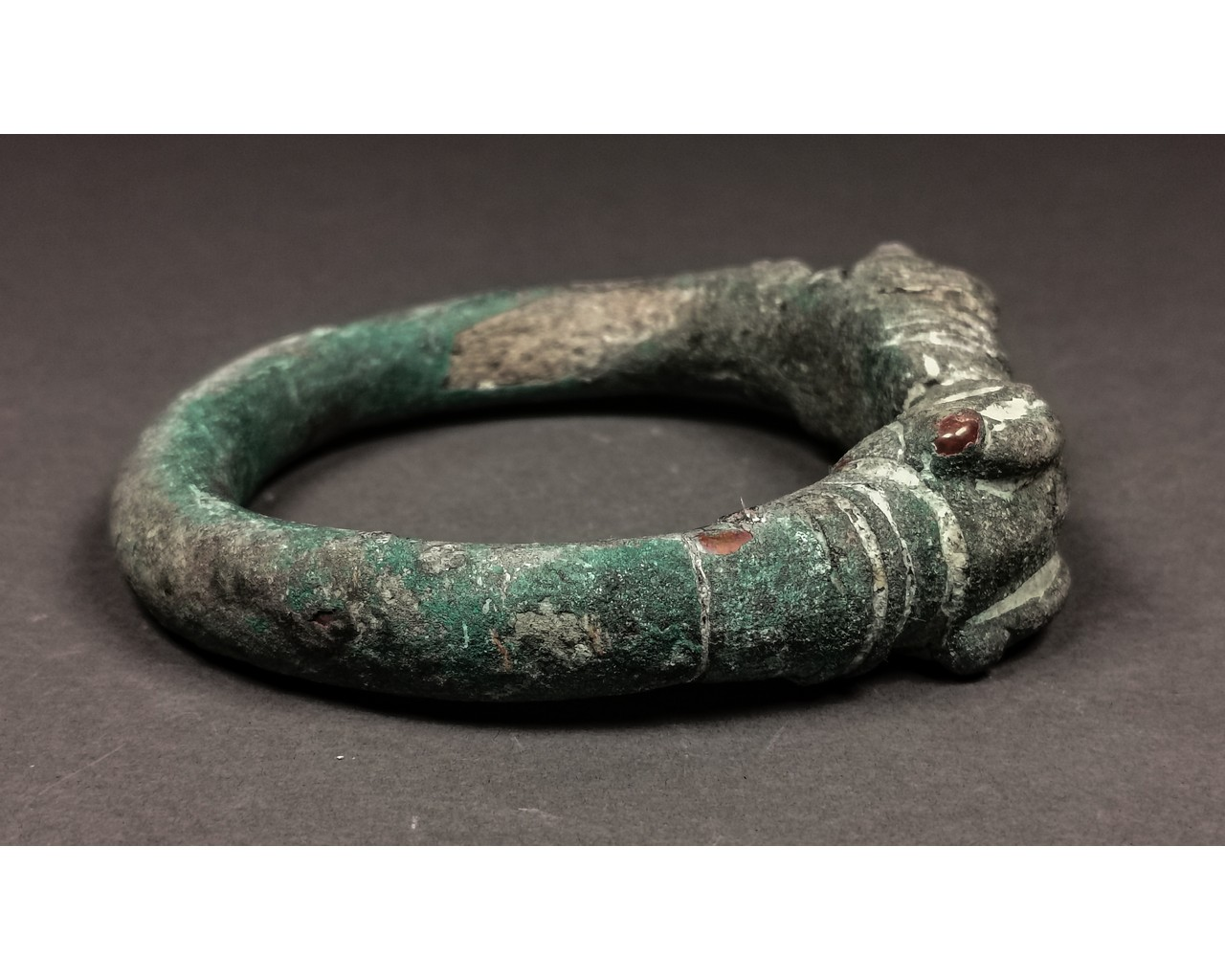 Lot 16 - GREEK BRONZE ARM TORC