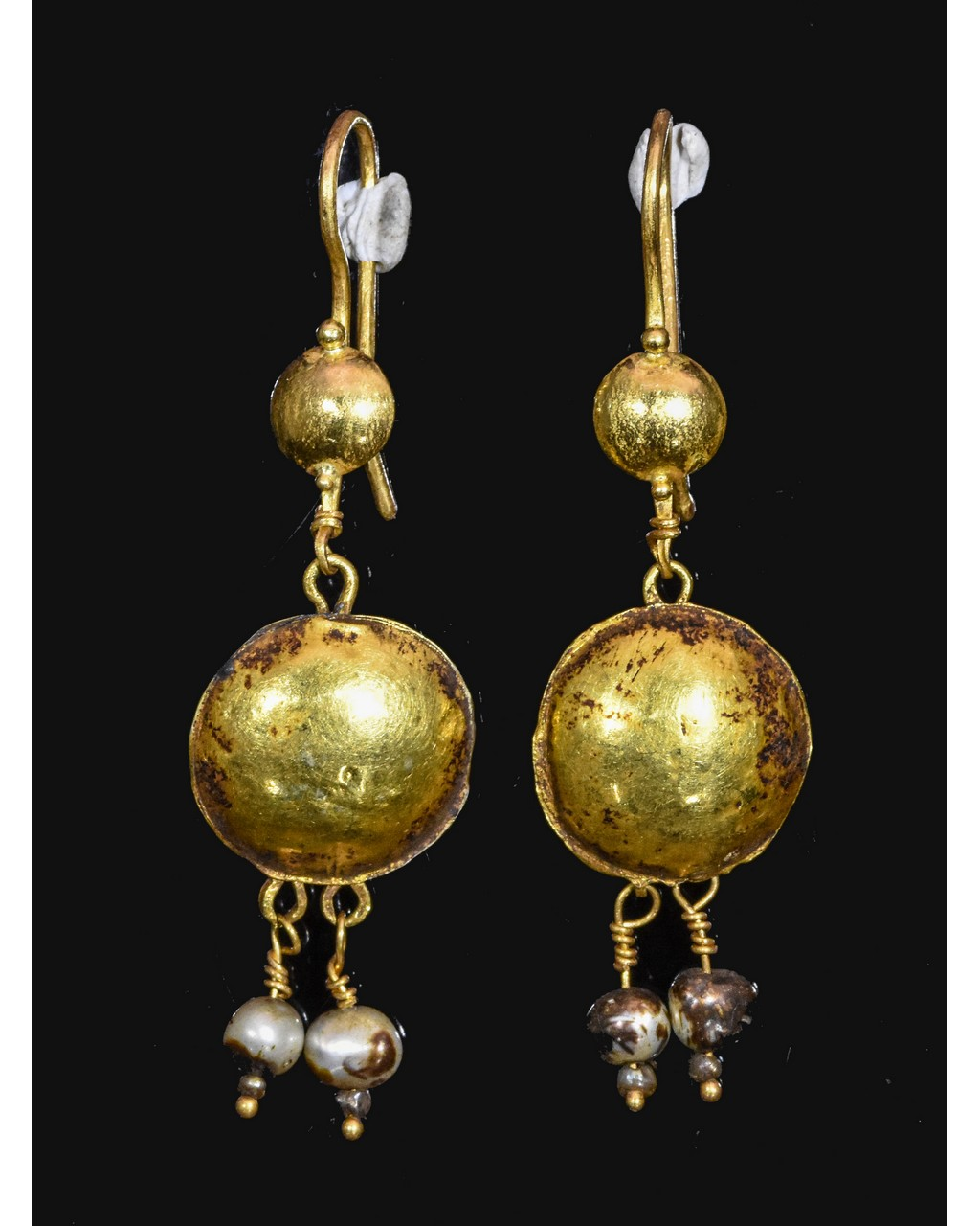 Lot 28 - PAIR OF ROMAN GOLD EARRINGS WITH PEARLS