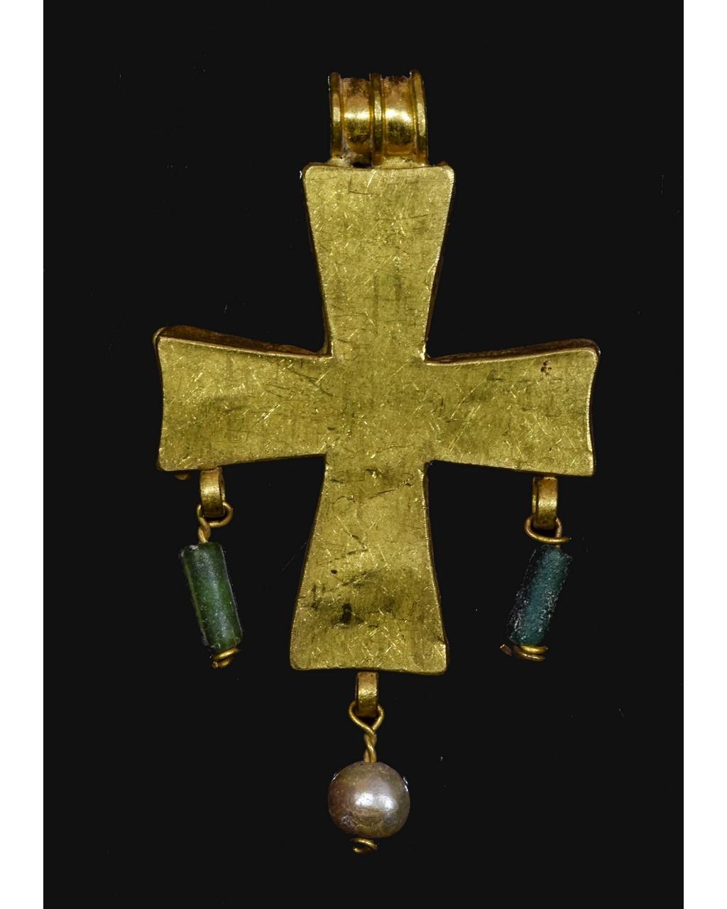 Lot 29 - BYZANTINE GOLD CROSS WITH GARNETS - RARE