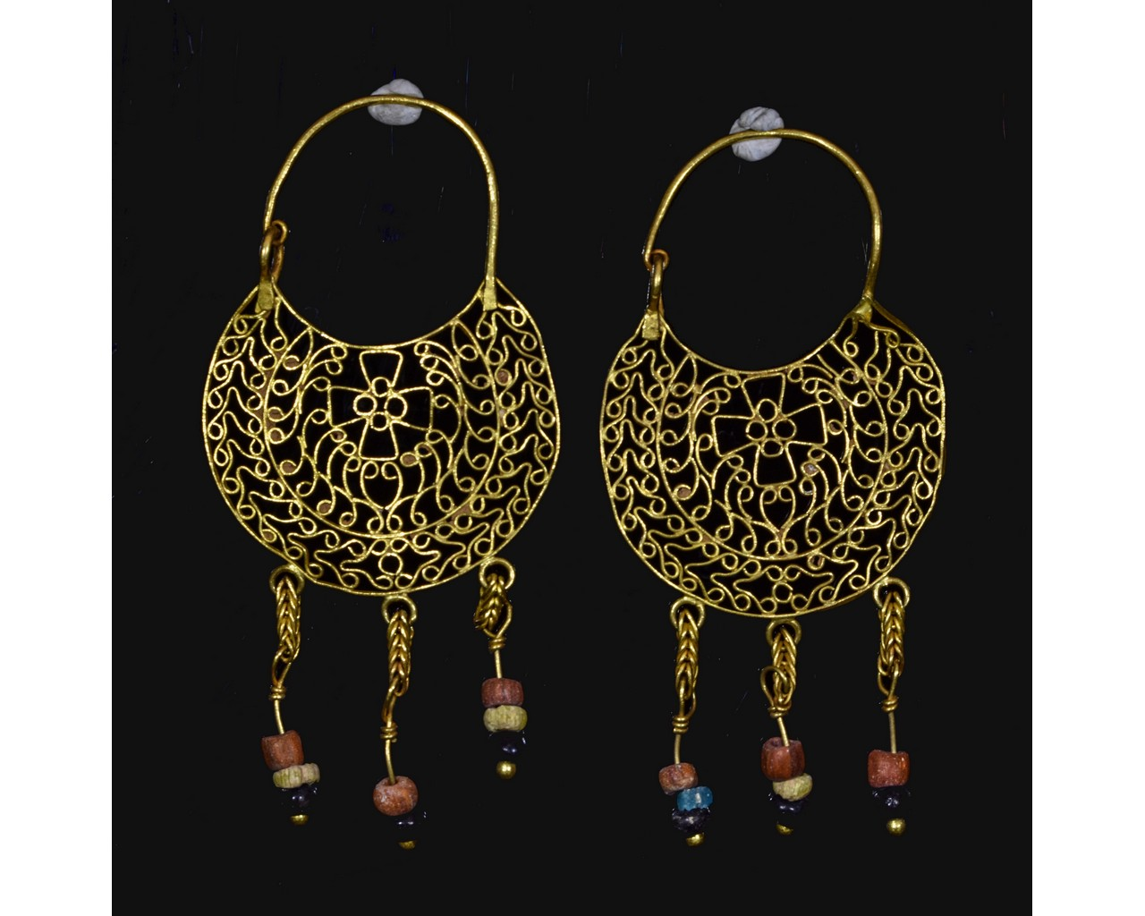 Lot 19 - BYZANTINE GOLD EARRINGS WITH CROSSES AND BEADS