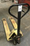 Quipo 2000kg Manual Pallet Truck (Located Northampton, See General Notes for More Details)