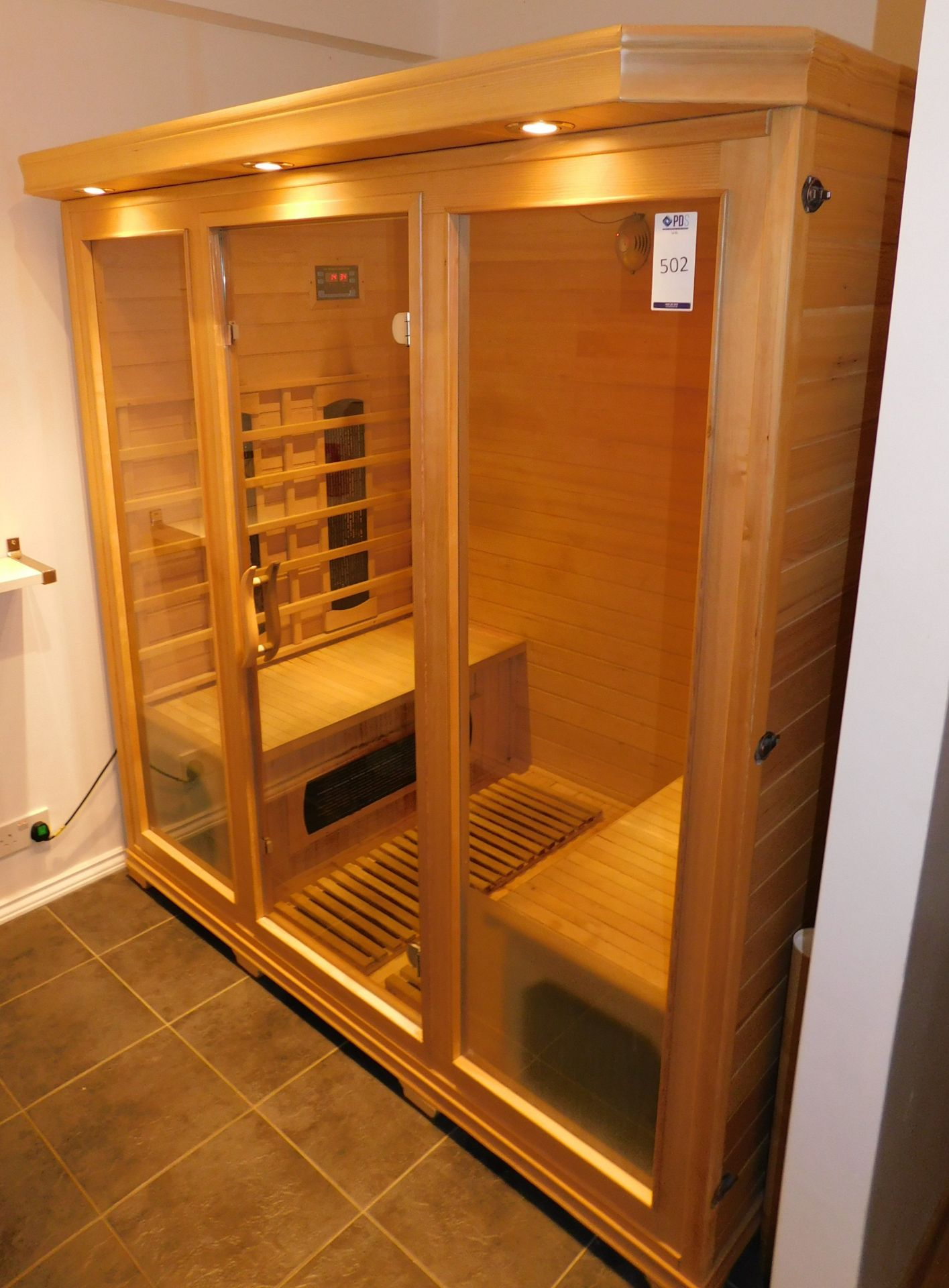 FAR Freestanding Infrared Sauna, W1.8m x H1.9m x D1.2m (Located Corby – See General Notes for