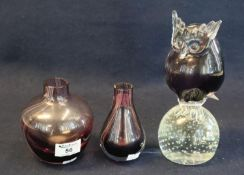 Murano glass large paperweight with owl, 22cm high approx. Together with two similar art glass