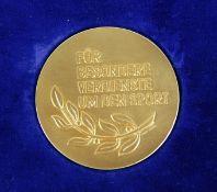 Medaille Stadt Karlsruhegoldfarbene Verdienstmedaille Stadt Karlsruhe, Für besondere Verdienste um