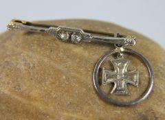 Miniatur-EK an AnhängerMiniatur des Eisernen Kreuzes dat. 1914, an Anhänger 800er Silber, dieser