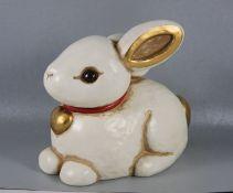 großer Thun-Haseneuzeitl., Thun, farbig staffierter Keramik-Hase mit Halsband und Herzanhänger,