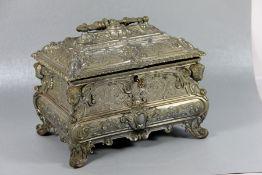 SchmuckschatulleZinn, üppig verzierte Schmuckschatulle, rechteckig, reiche Ornamentik, Medaillons,