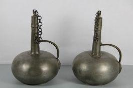 Paar Zinnflaschen