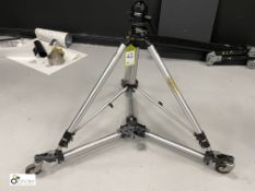 Foba Superball adjustable mobile Stand (location: Level 1, Photography Room)