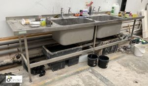 Stainless steel double bowl Sink, 3000mm x 700mm, with left and right hand drainers (location: Level