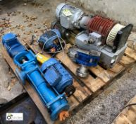 5 various Electric Motors and 2 Pumps, to pallet (please note this lot has a lift out fee of £5 plus