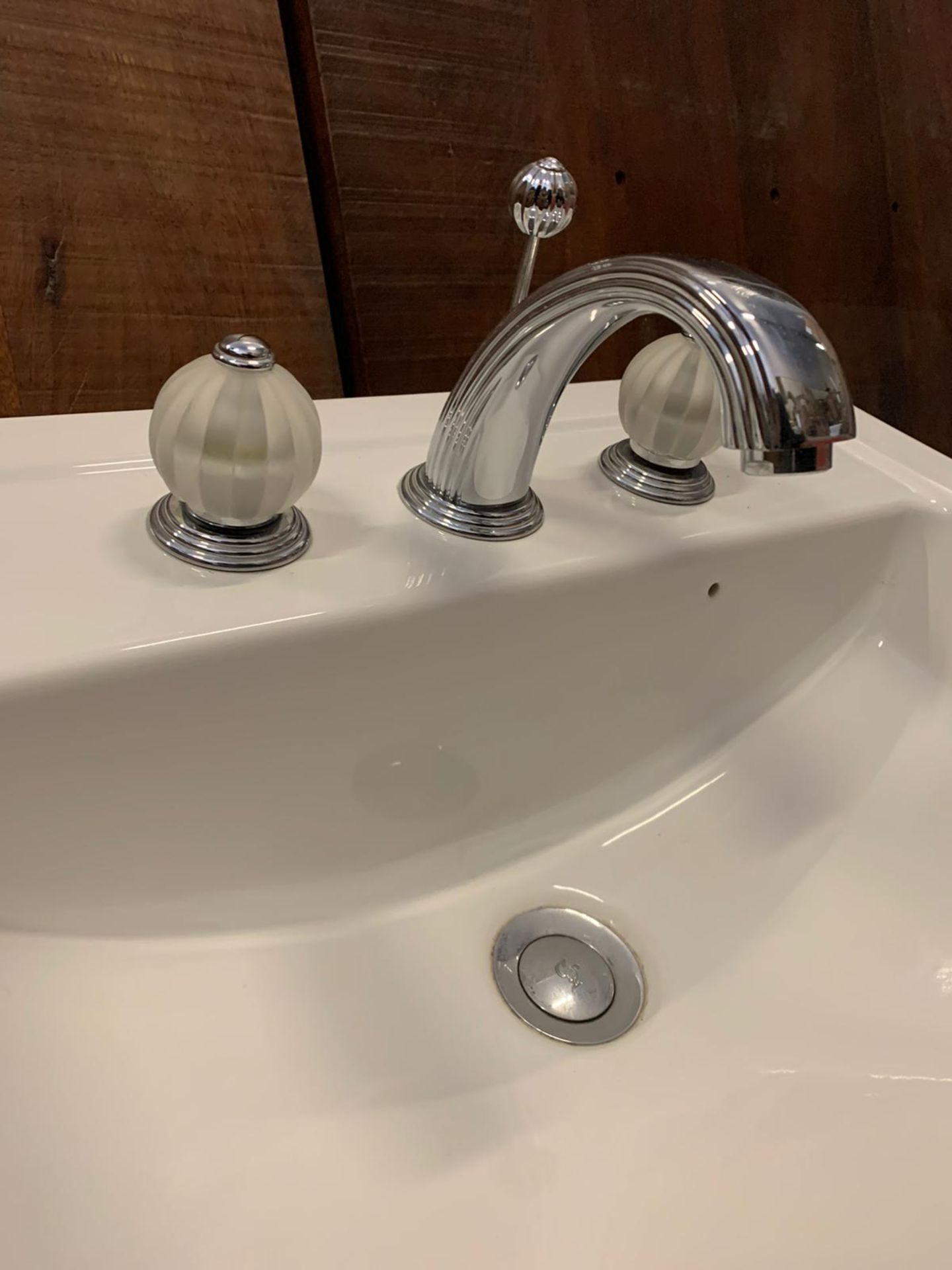 Lot 834 - Villeroy & Boch Handwash Basin With Luxury Faucet Taps By Jean-Claude Delepine In Collaboration