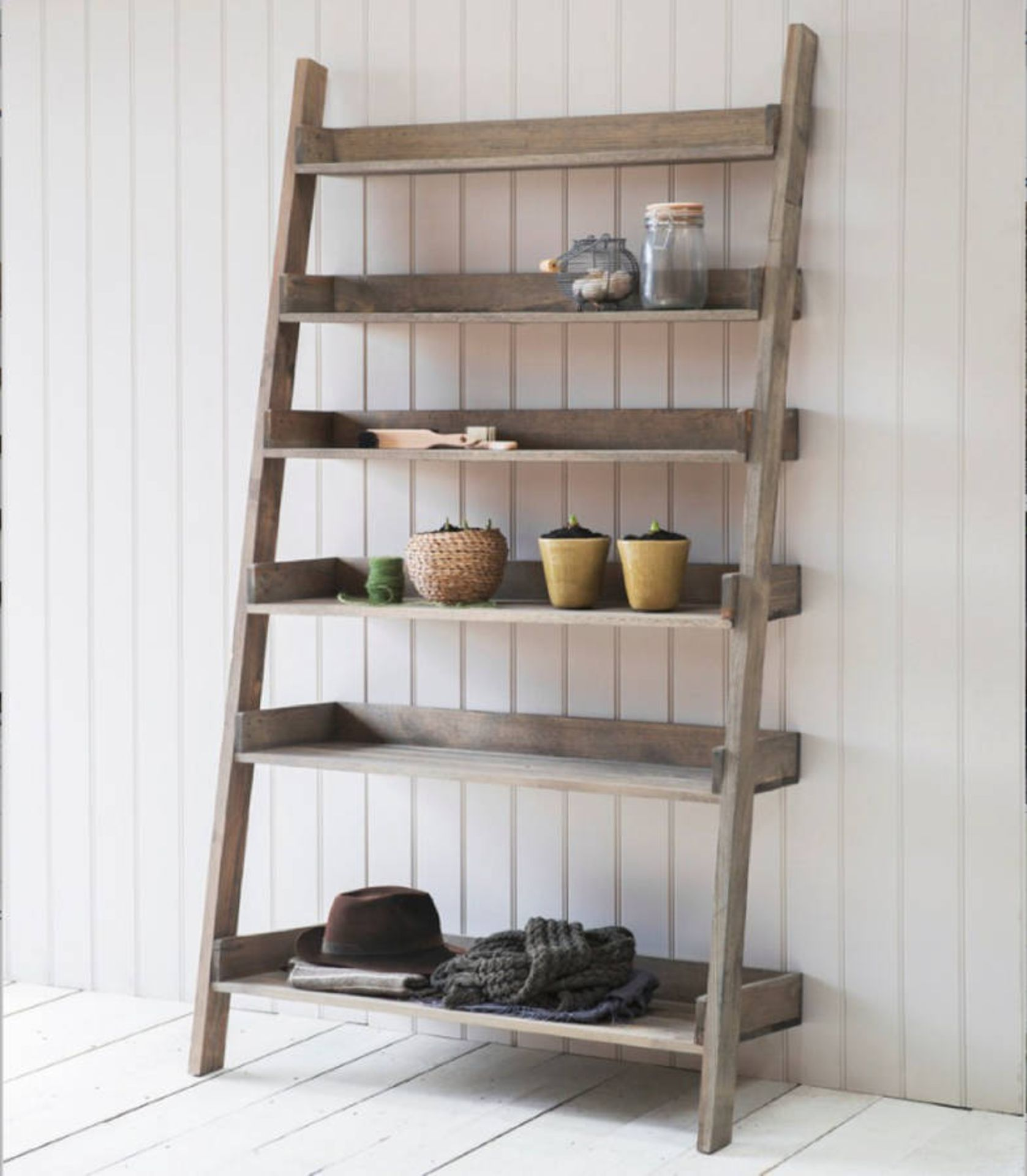 Lot 620 - Five Shelf Ladder Display Black Create an inspired space As an alternative to a traditional bookcase