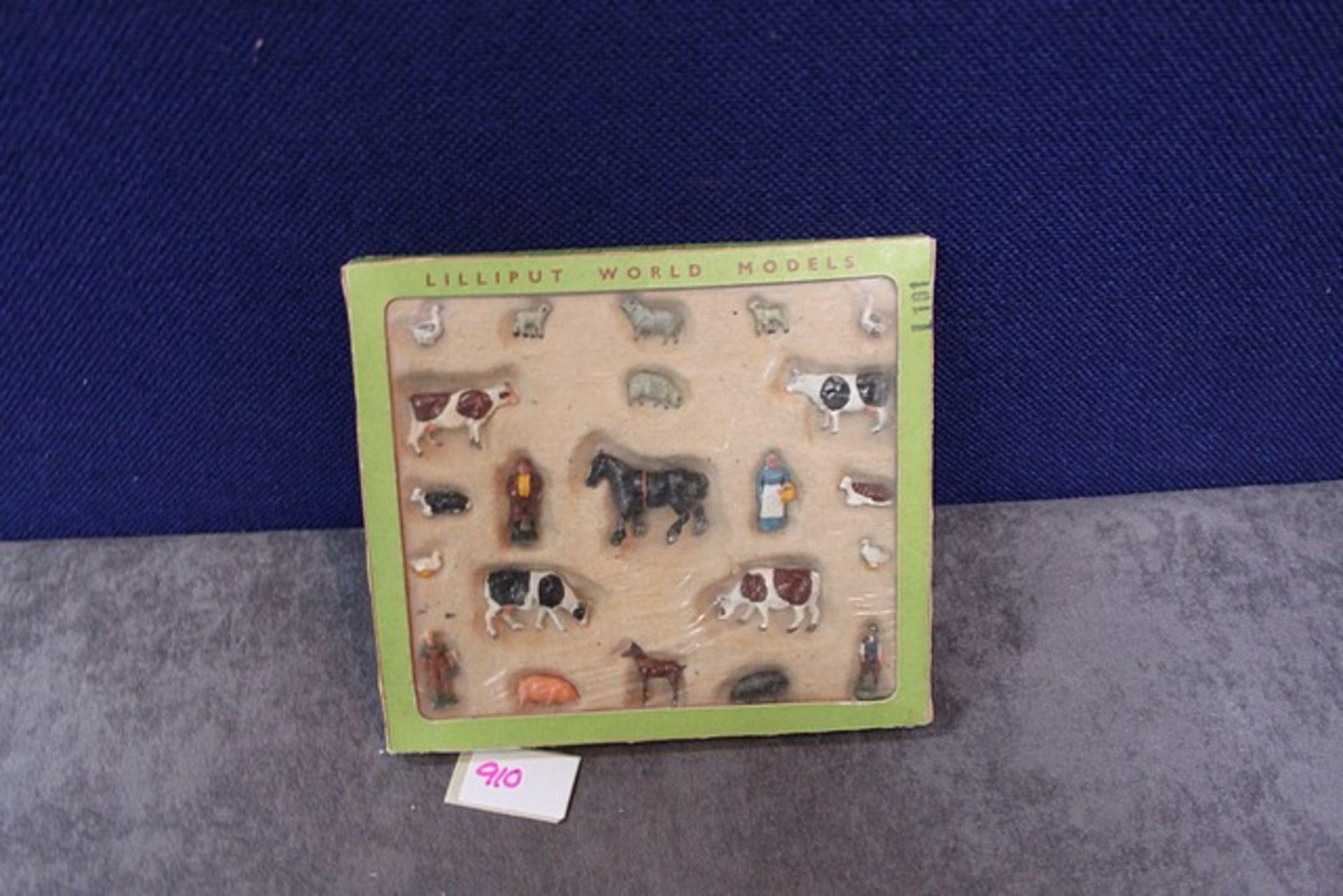 Lot 910 - W Britain Lilliput World Models 00 & H0 Gauge Farm Figures L101 In Box