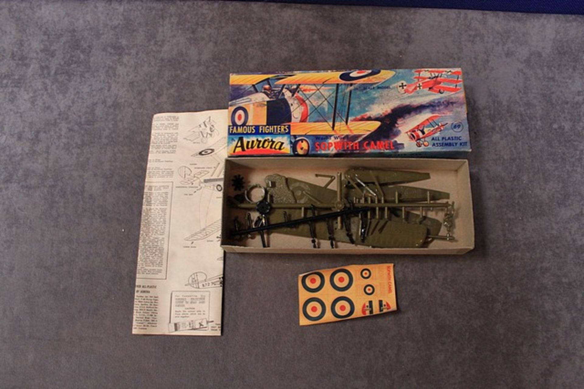 Lot 71 - Aurora Hobby Kits Famous Fighters Series Kit Number 102-69 World War 1 Sopwith Camel With