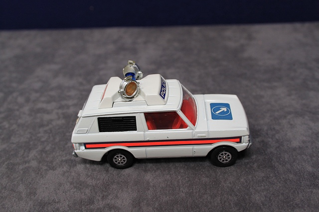 Lot 23 - Corgi Whizzwheels Diecast Number 461 Police 'Vigilant' Range Rover With Excellent Box