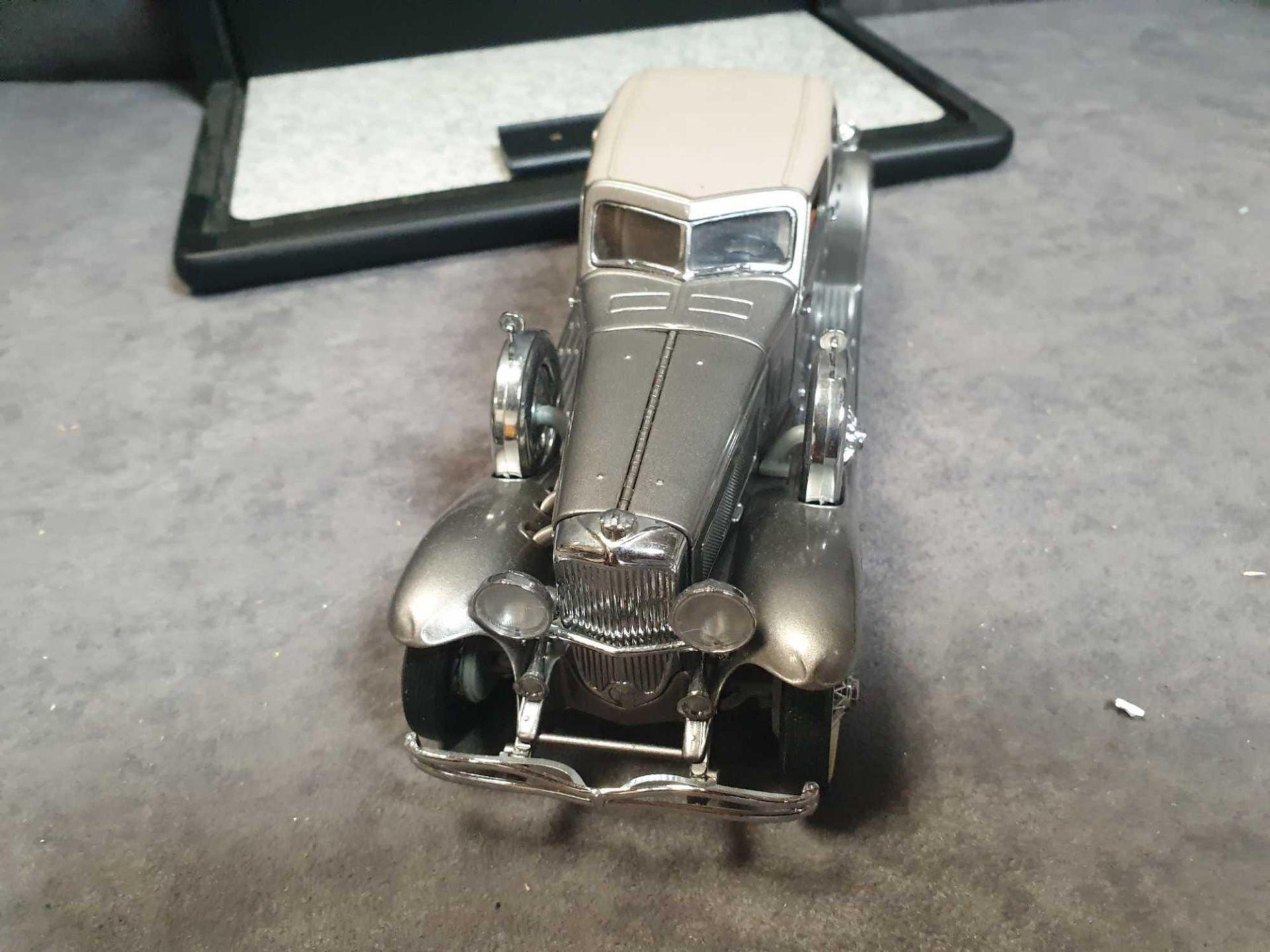 Franklin Mint 1933 Dussenberg SJ Twenty Grand Diecast Model Car Mint Model - Image 3 of 3