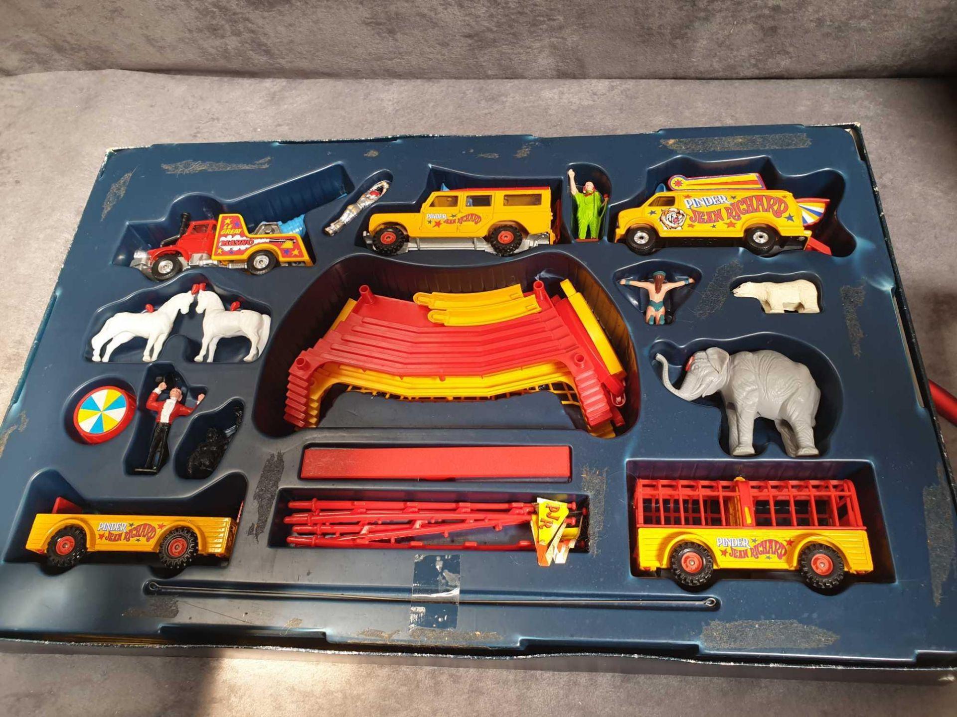 Excellent Corgi Diecast #48 Jean Richard Circus Gift Set Various Circus Vehicles And Accessories.