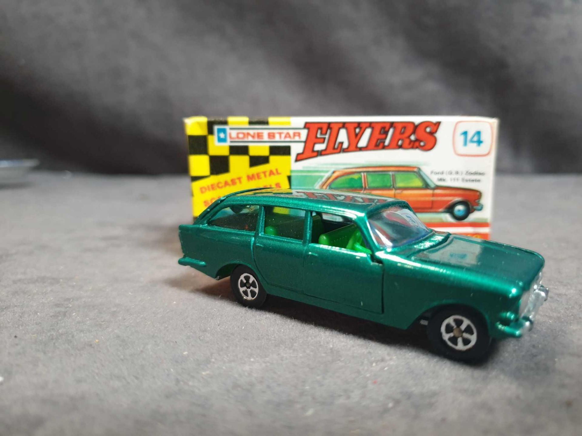 Lot 1346 - Mint Lone Star #111 Road Masters Flyers 14 Super Cars Ford Zodiak Estate Green Rare Green Windows