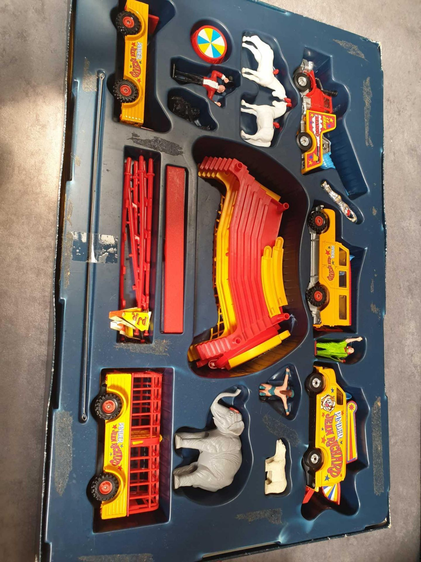 Excellent Corgi Diecast #48 Jean Richard Circus Gift Set Various Circus Vehicles And Accessories. - Image 2 of 3