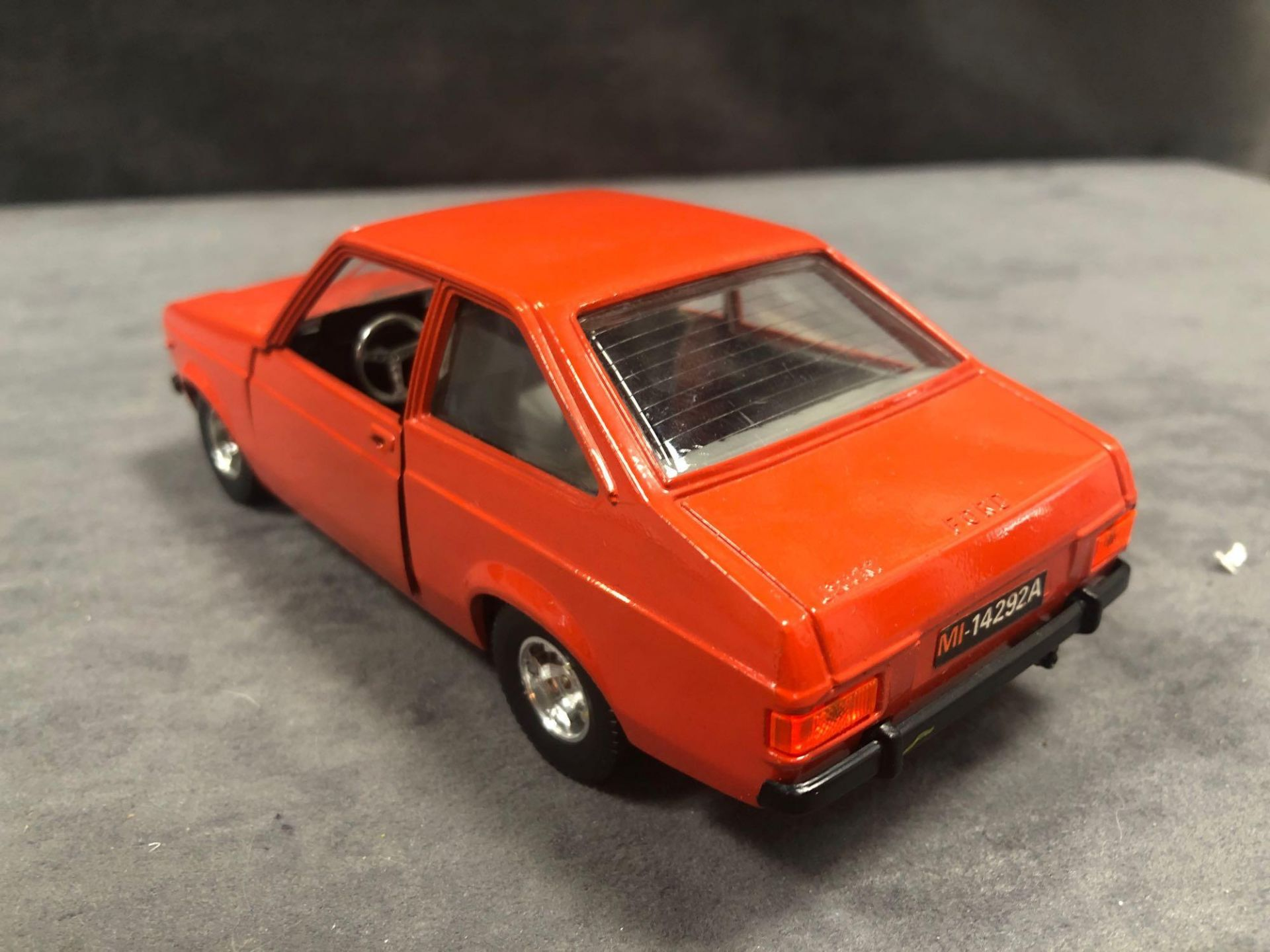 Bburago Ford Diecast Escort 1100L In Orange Red No Box - Image 3 of 3