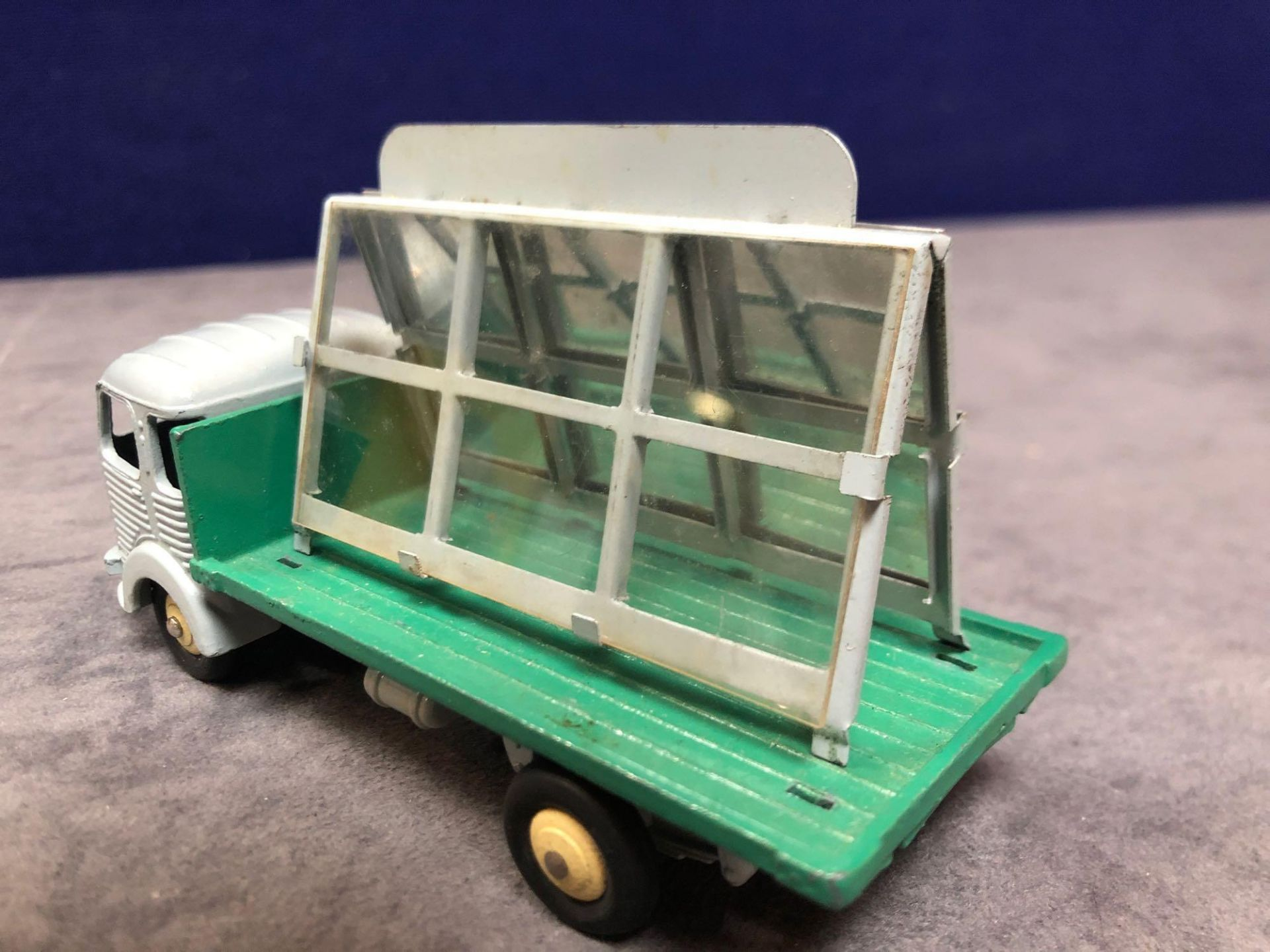 Dinky France #33C Simca Glass Truck Grey/Dark Green - Renumbered 579 mint in very good firm box - Image 3 of 4