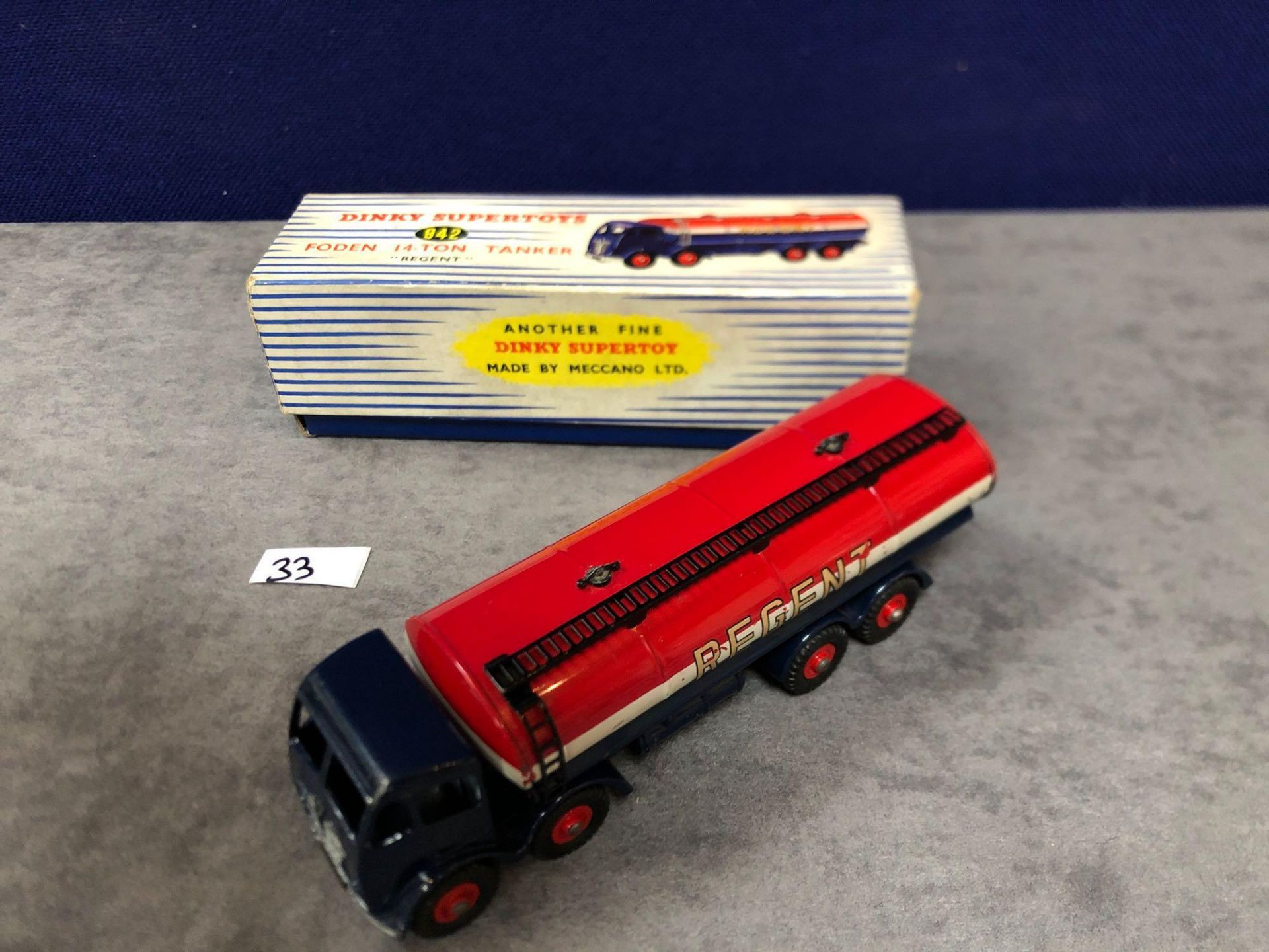 Dinky Supertoys Diecast #942 Foden 14-Ton Tanker Regent in excellent condition with bright paint