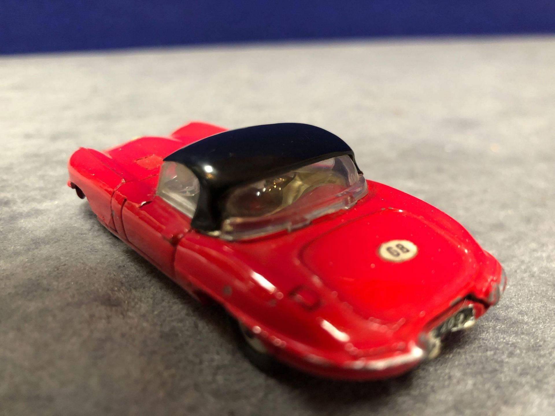 Dinky #120 Jaguar E-Type Red - Removable Roof 1962-1967 Unboxed excellent model with a lovely - Image 3 of 4
