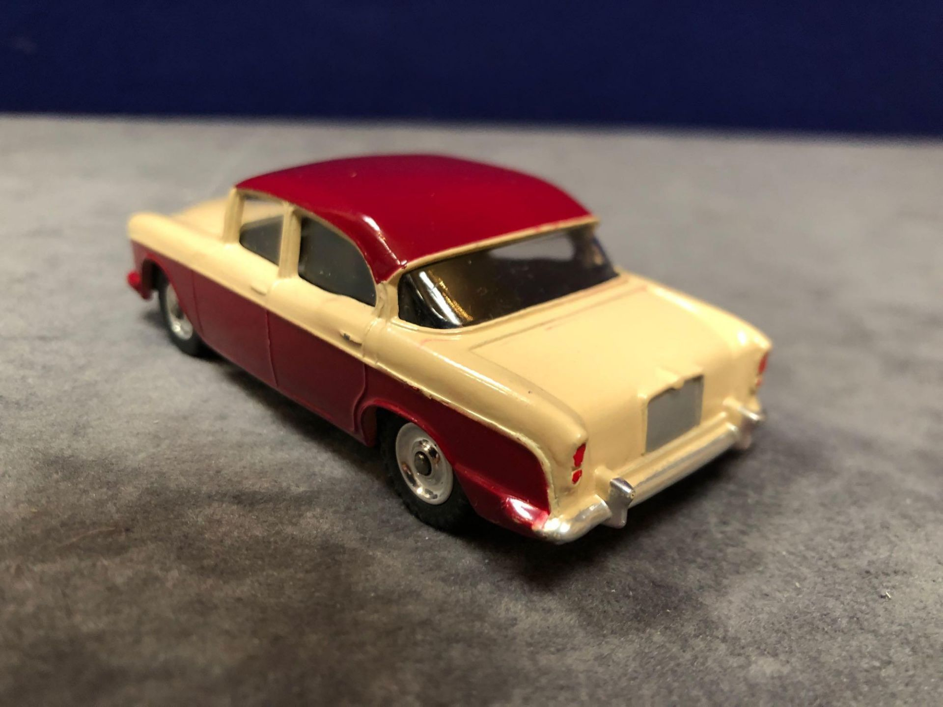 Dinky #165 Humber Hawk Maroon/Fawn - Spun Hubs With Box 1959-1963 - Image 3 of 4