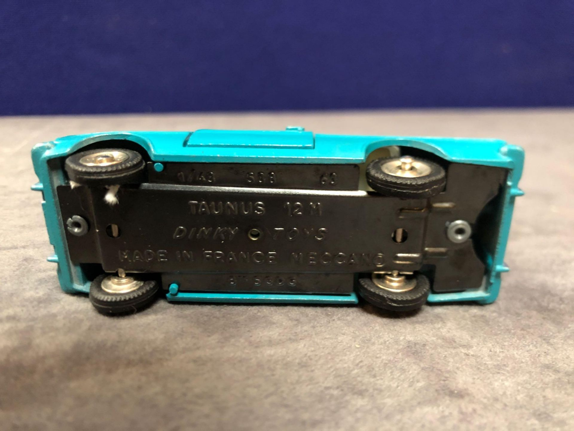 Dinky (France) Diecast #538 Ford Taunus 12 M Cream Interior And Concave Hubs. In Turquoise mint in a - Image 4 of 4