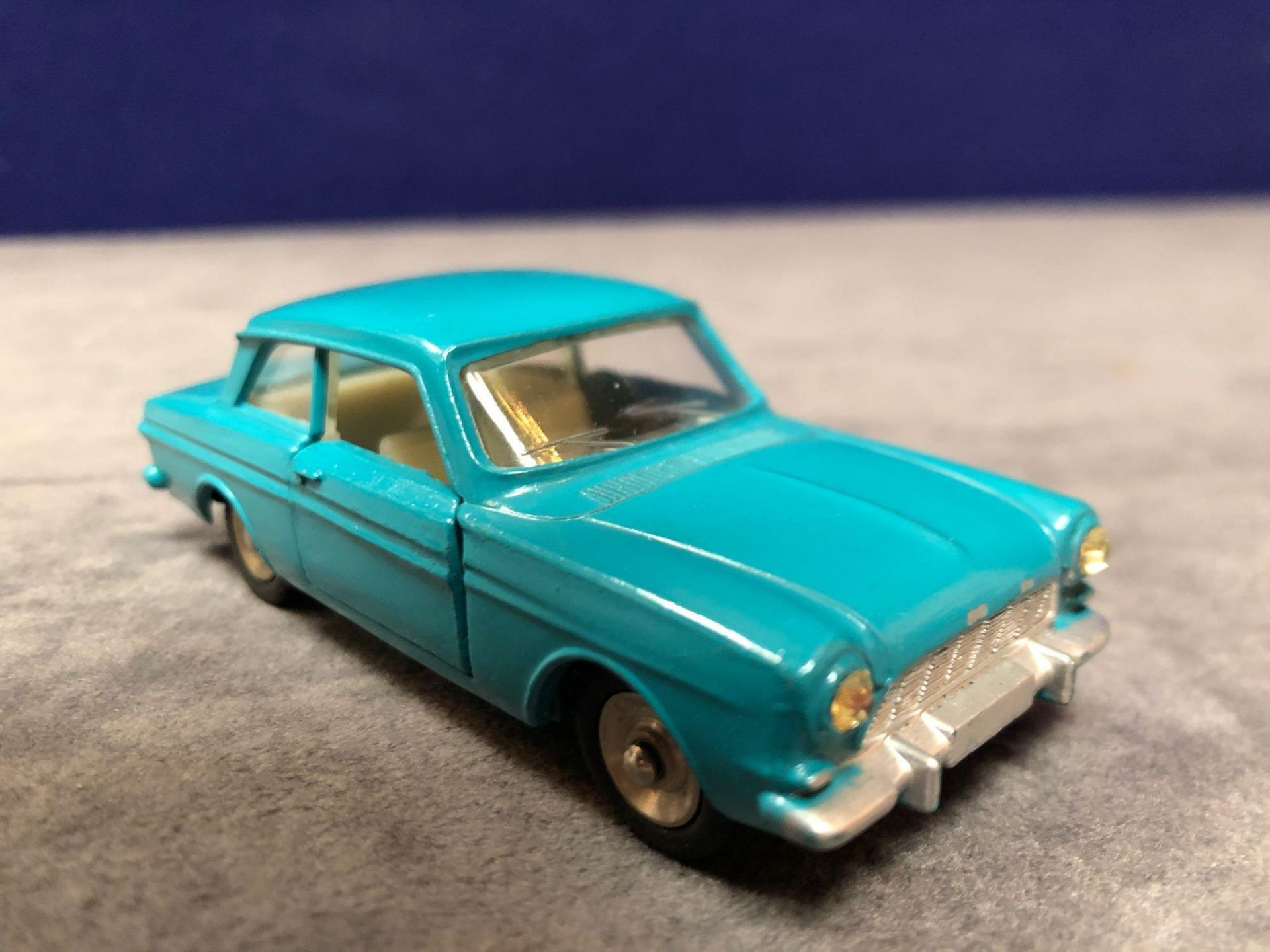 Dinky (France) Diecast #538 Ford Taunus 12 M Cream Interior And Concave Hubs. In Turquoise mint in a - Image 2 of 4