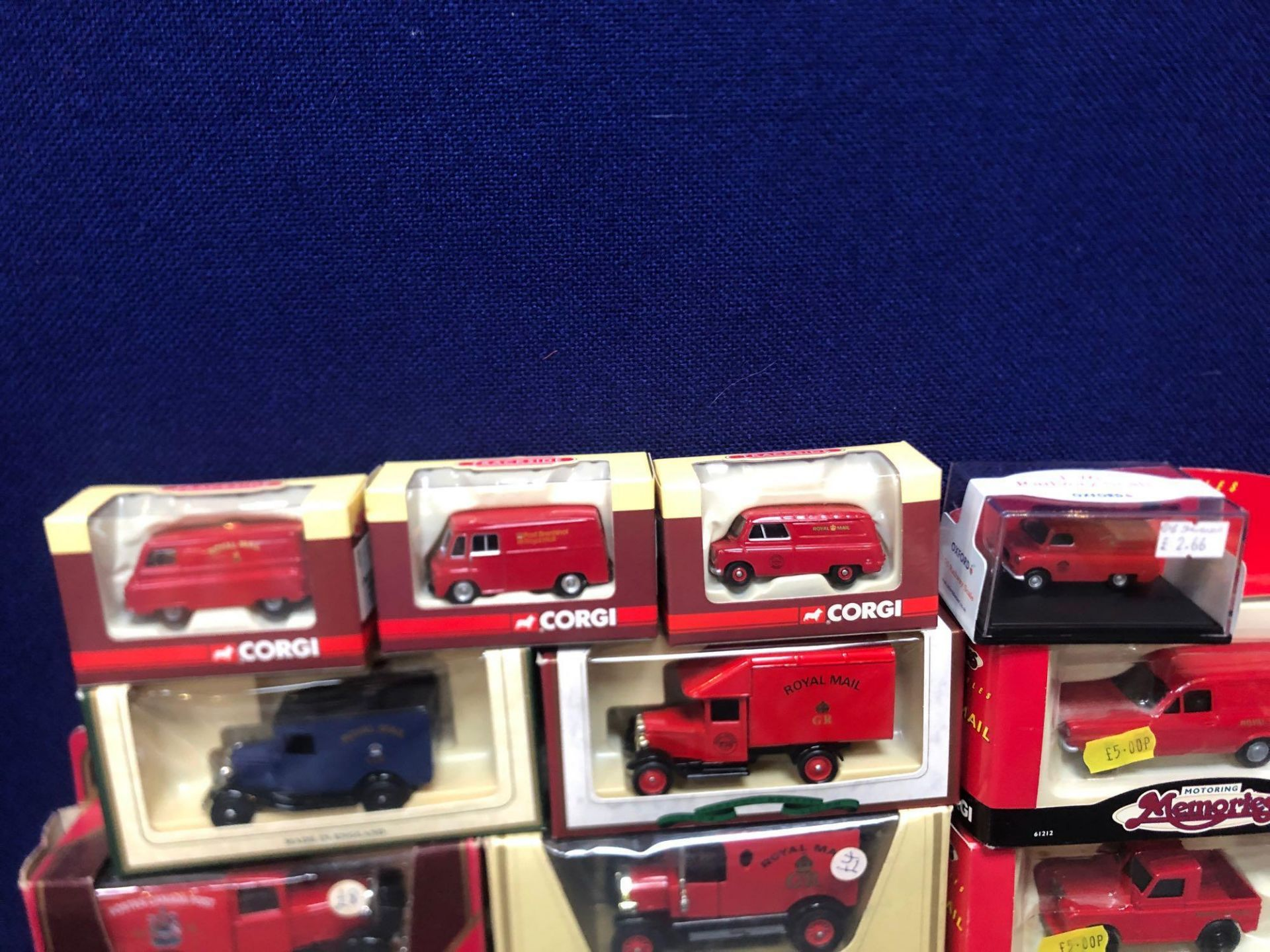 11x Diecast Individual Royal Mail Vehicles And 1x Set All In Boxes - Image 4 of 4