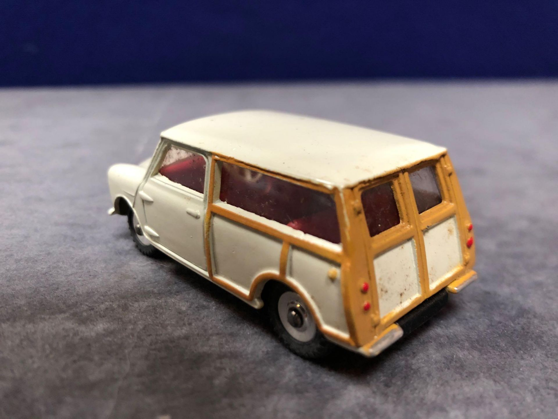 Dinky #197 Morris Mini Traveller Cream - Cream Body, Tan Woodwork And Red Interior. Mint in - Image 3 of 4