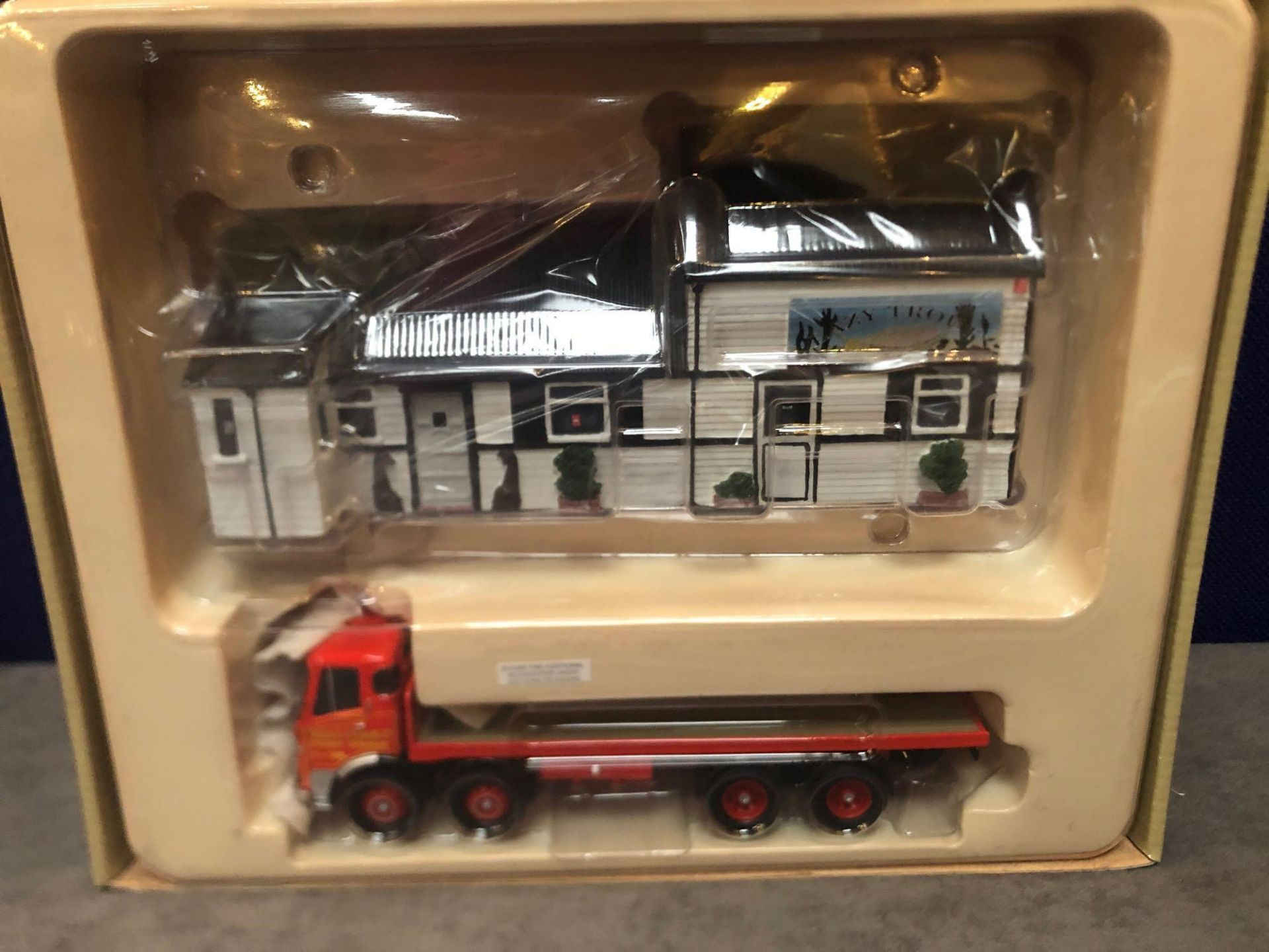 Corgi CC11501 AEC Platform Lorry and Diorama Siddle Cook - Diecast Metal Model With Plastic Parts - Image 2 of 2