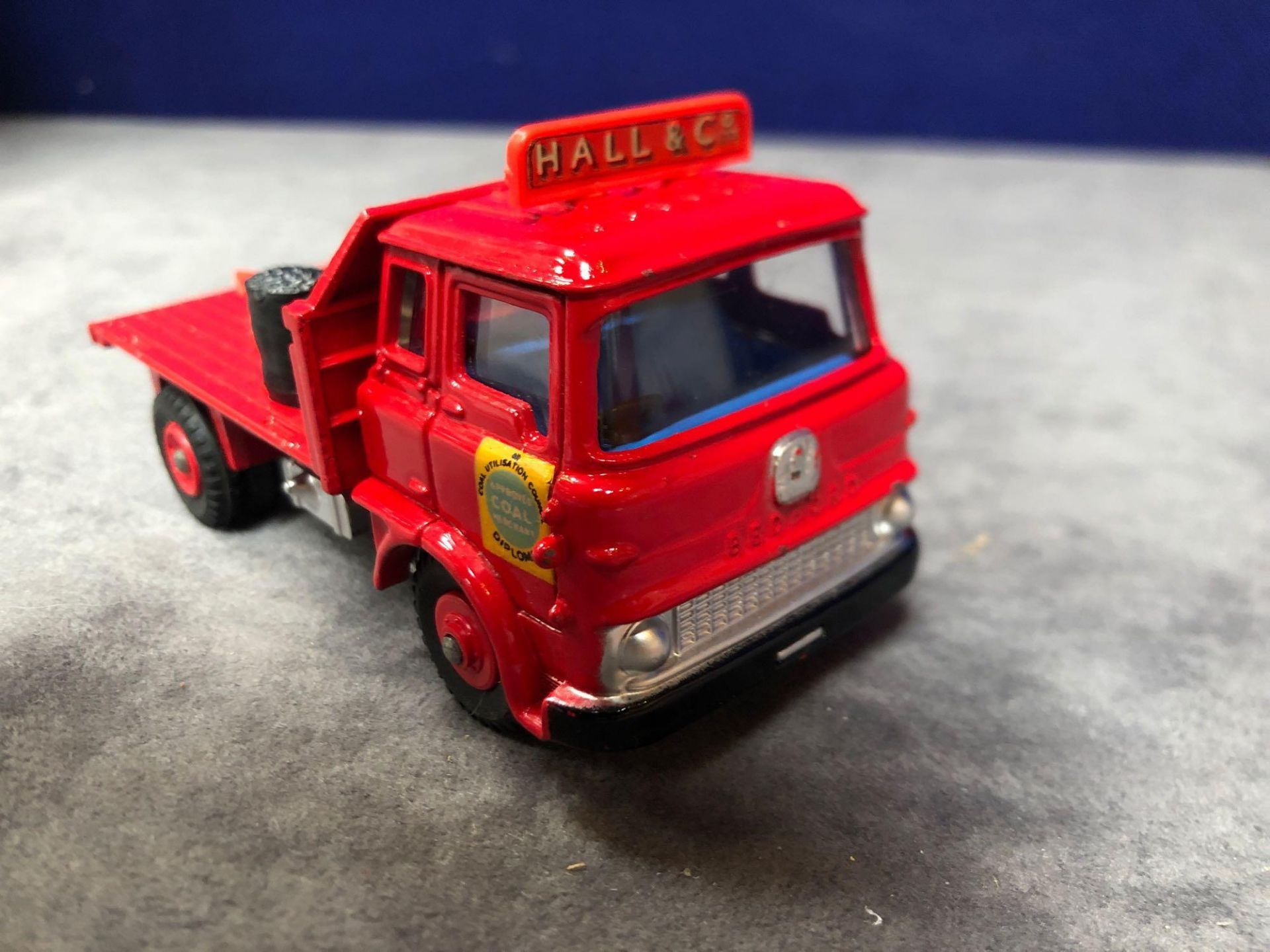 Dinky #425 Bedford TK Coal Wagon Red - Plastic Wheels. Comes With 6 Sacks Of Coal and Scales mint - Image 2 of 4