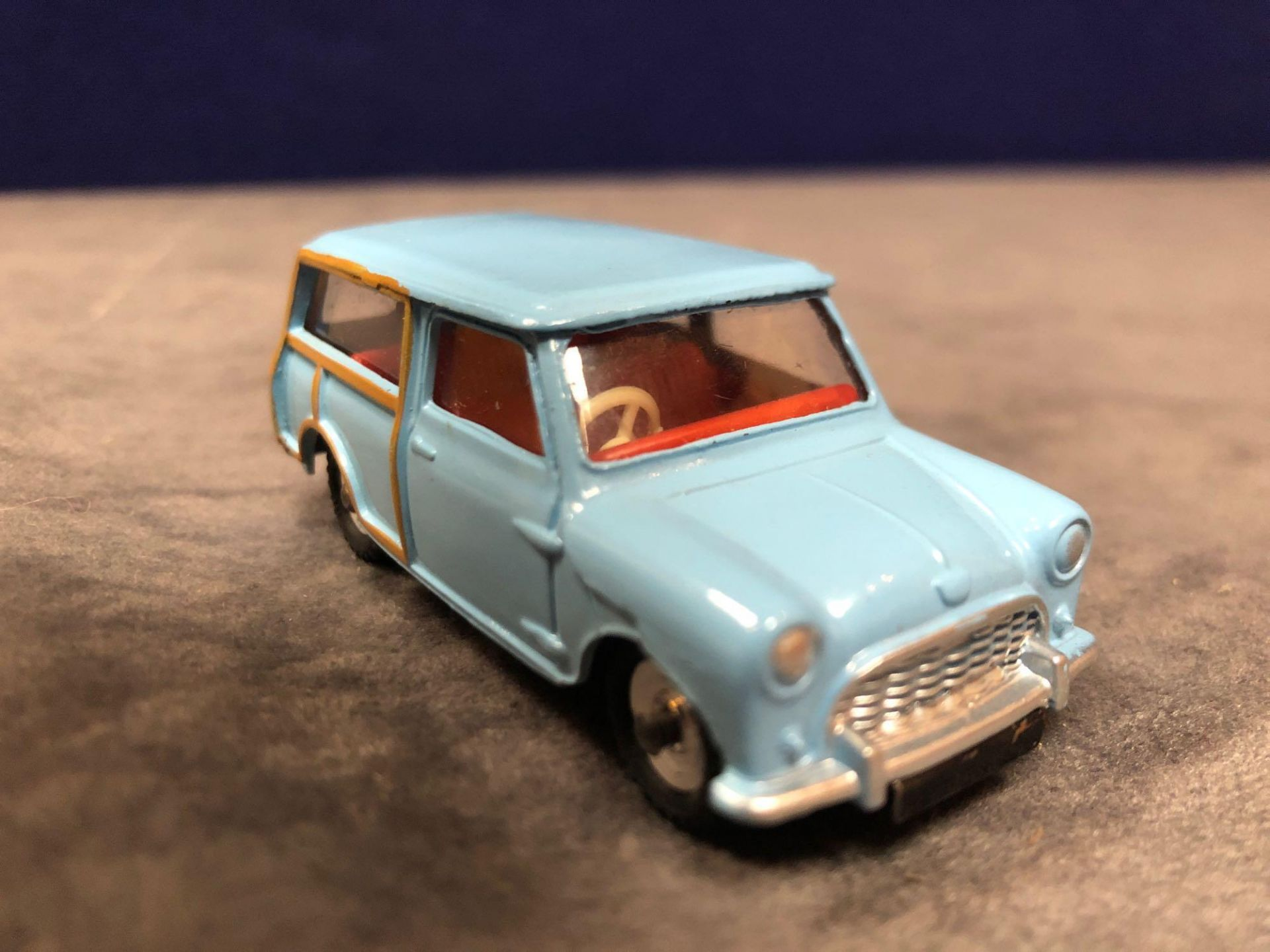 Dinky #199 Austin 7 Countryman Blue - Wood Trimmint in excellent box 1960-1970 - Image 2 of 4