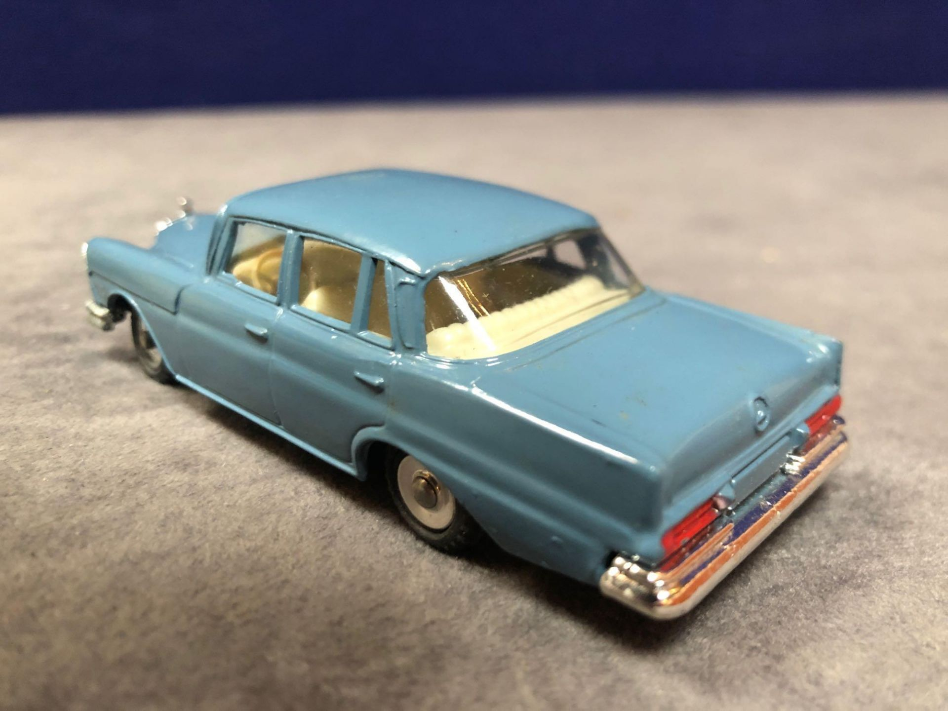 Dinky #186 Mercedes-Benz 220 SE Blue - Petrol Blue Body With White Interior. Spun Hubs. Mint in - Image 3 of 4