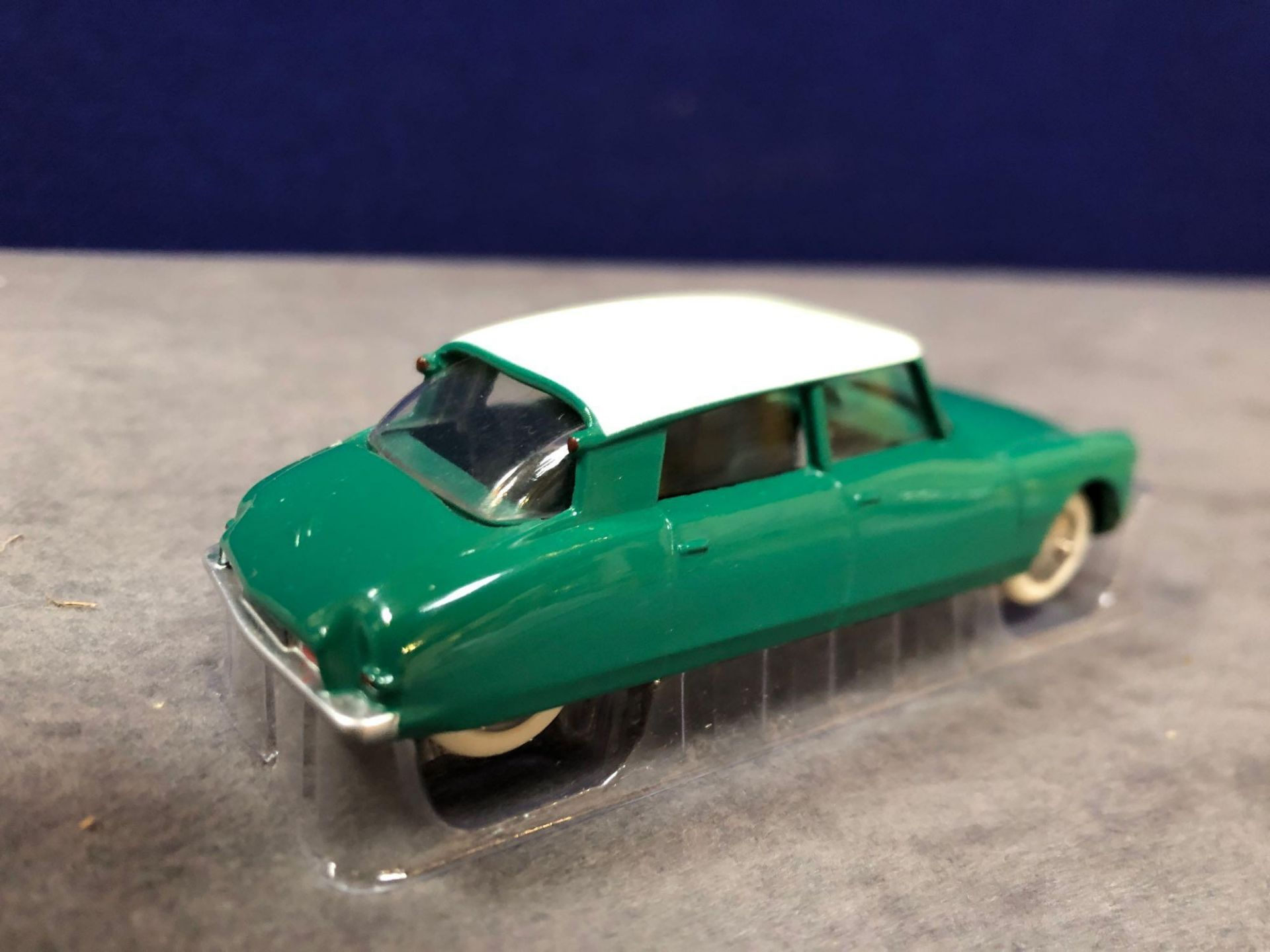 Dinky (Norev Edition) #24CP Citron DS19 Mint in box - Image 3 of 3