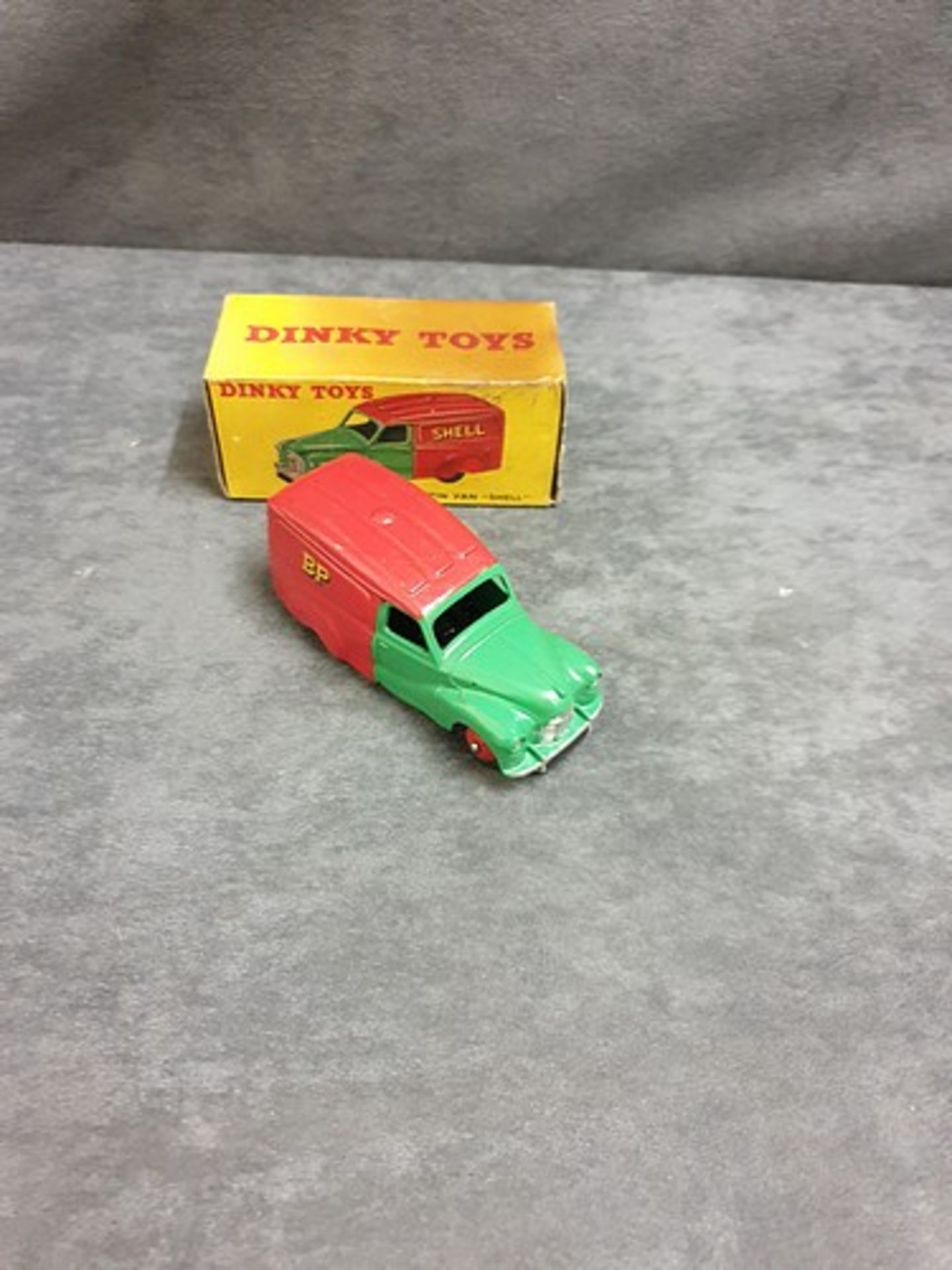 Dinky #470 Austin Van Shell Virtually Mint Model In Very Good Soiled Firm Box 1954 - 1956 - Image 2 of 3