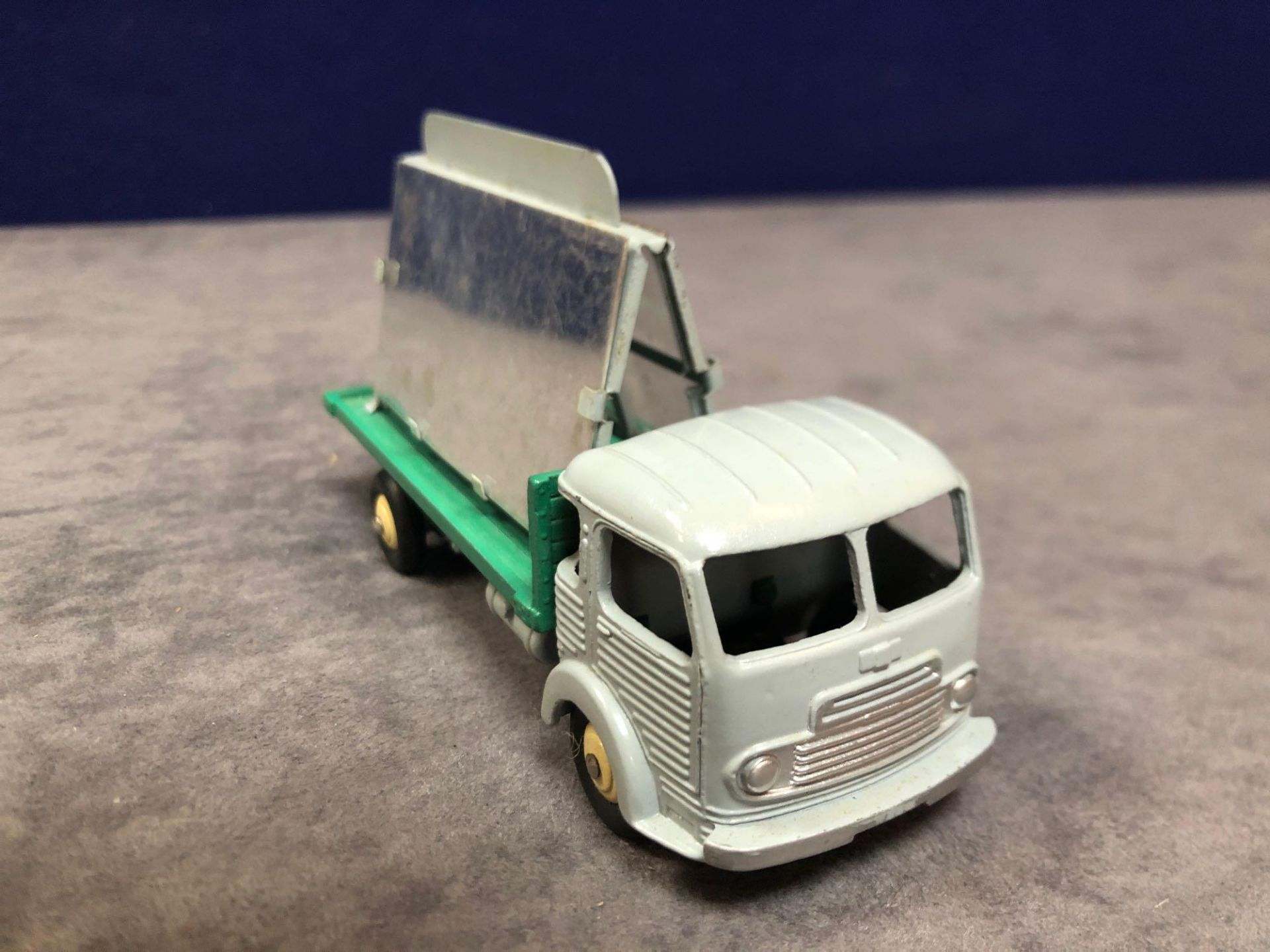 Dinky France #33C Simca Glass Truck Grey/Dark Green - Renumbered 579 Mint In Very Good Firm Box - Image 2 of 4