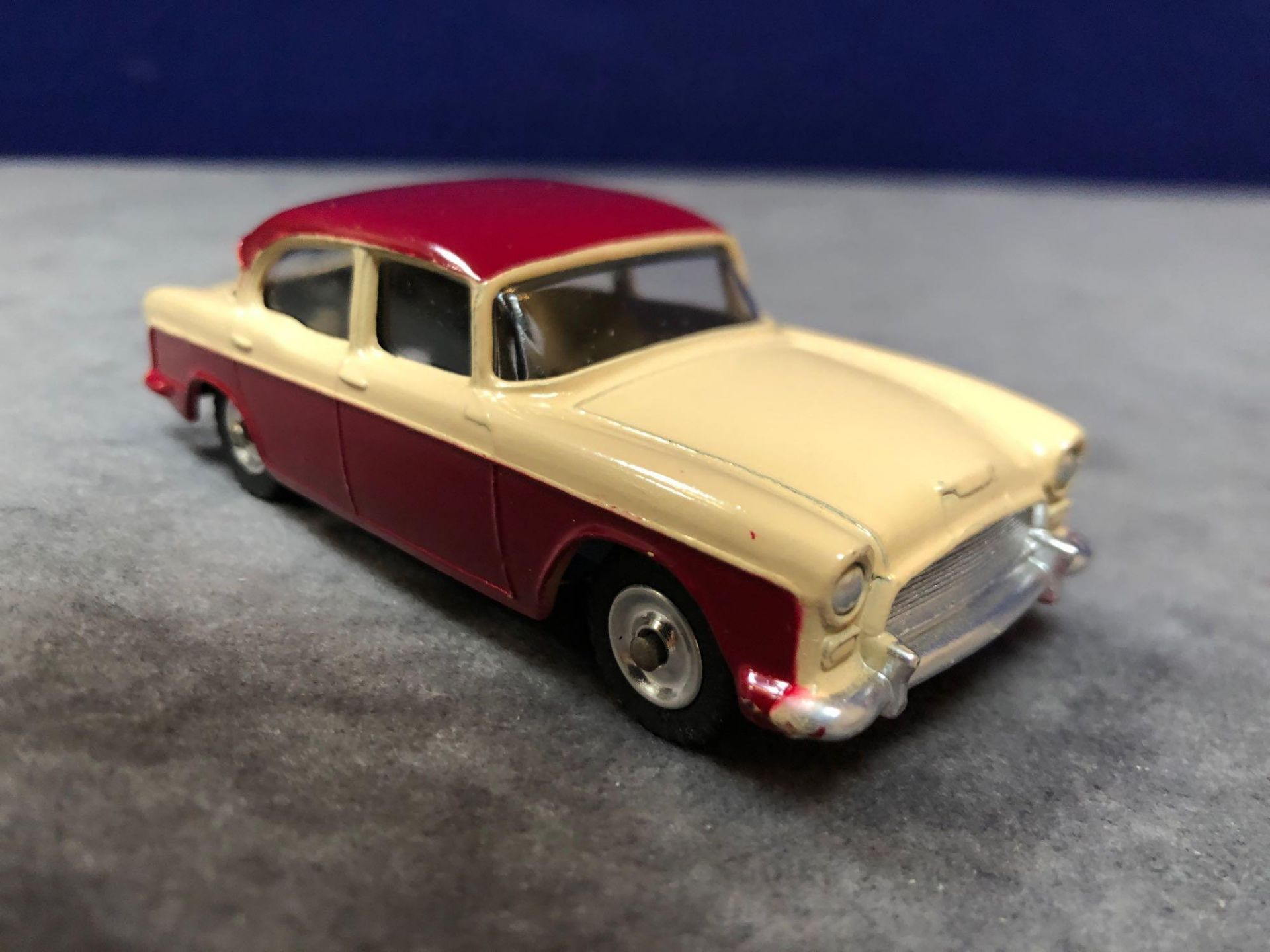 Dinky #165 Humber Hawk Maroon/Fawn - Spun Hubs With Box 1959-1963 - Image 2 of 4
