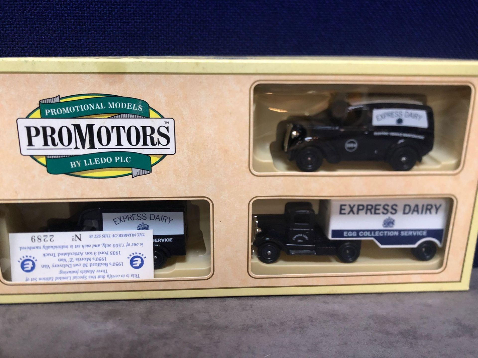 2x Lledo Diecast Express Dairy Sets And 2x Lledo Diecast Express Dairy Vehicles One Rare Code Y13- - Image 2 of 3