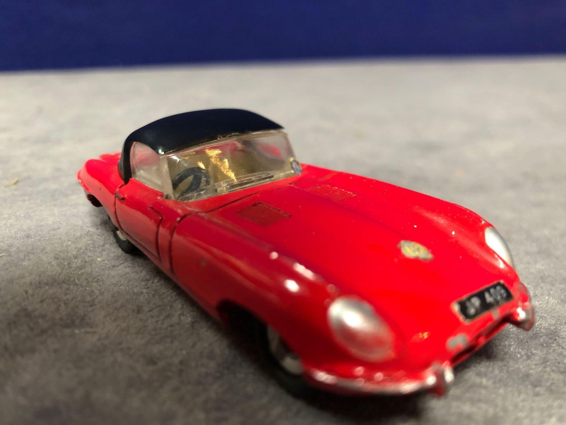 Dinky #120 Jaguar E-Type Red - Removable Roof 1962-1967 Unboxed Excellent Model With A Lovely - Image 2 of 4