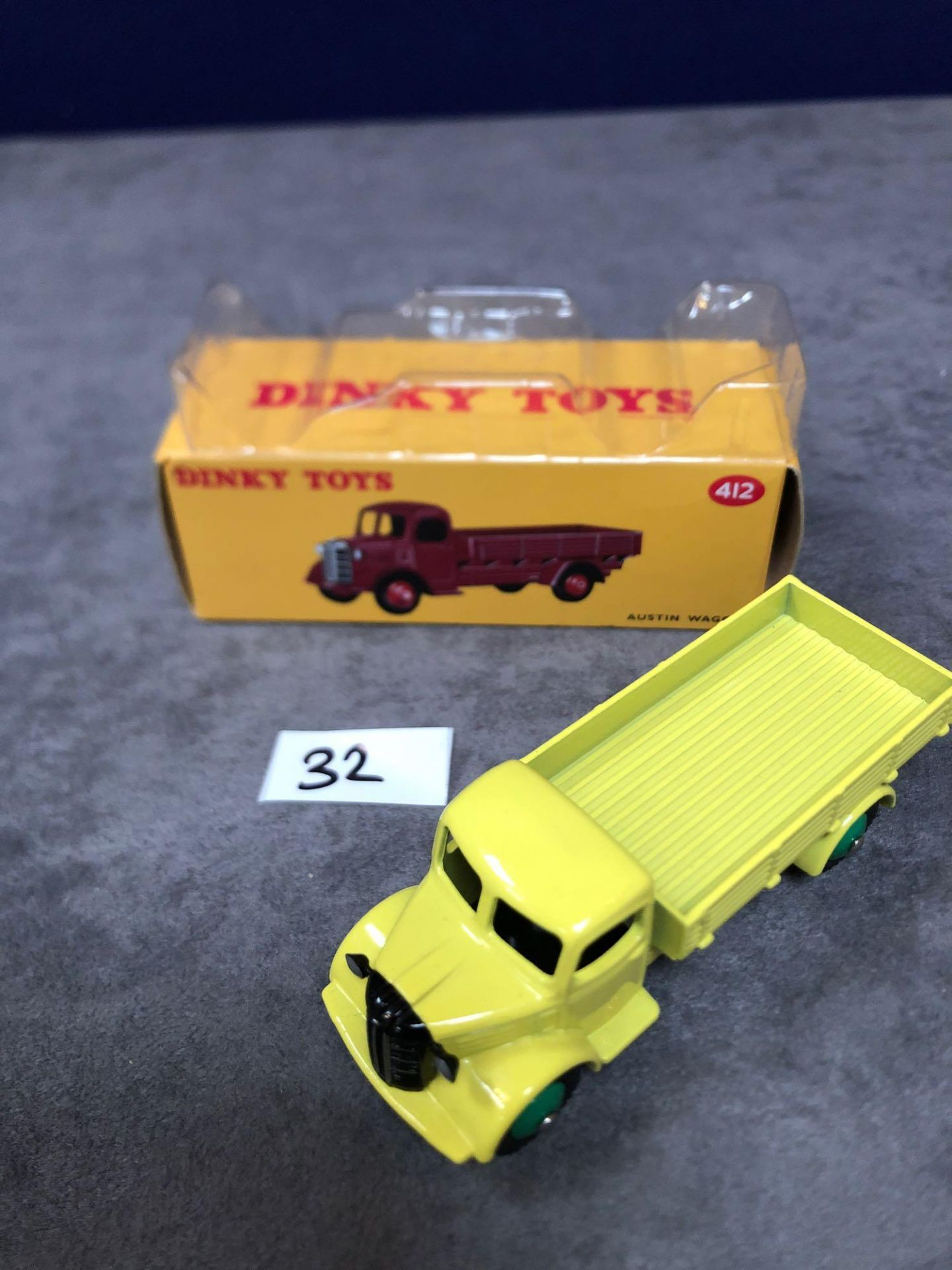 Dinky (Atlas Edition) Diecast #412 Austin Wagon Mint In Box