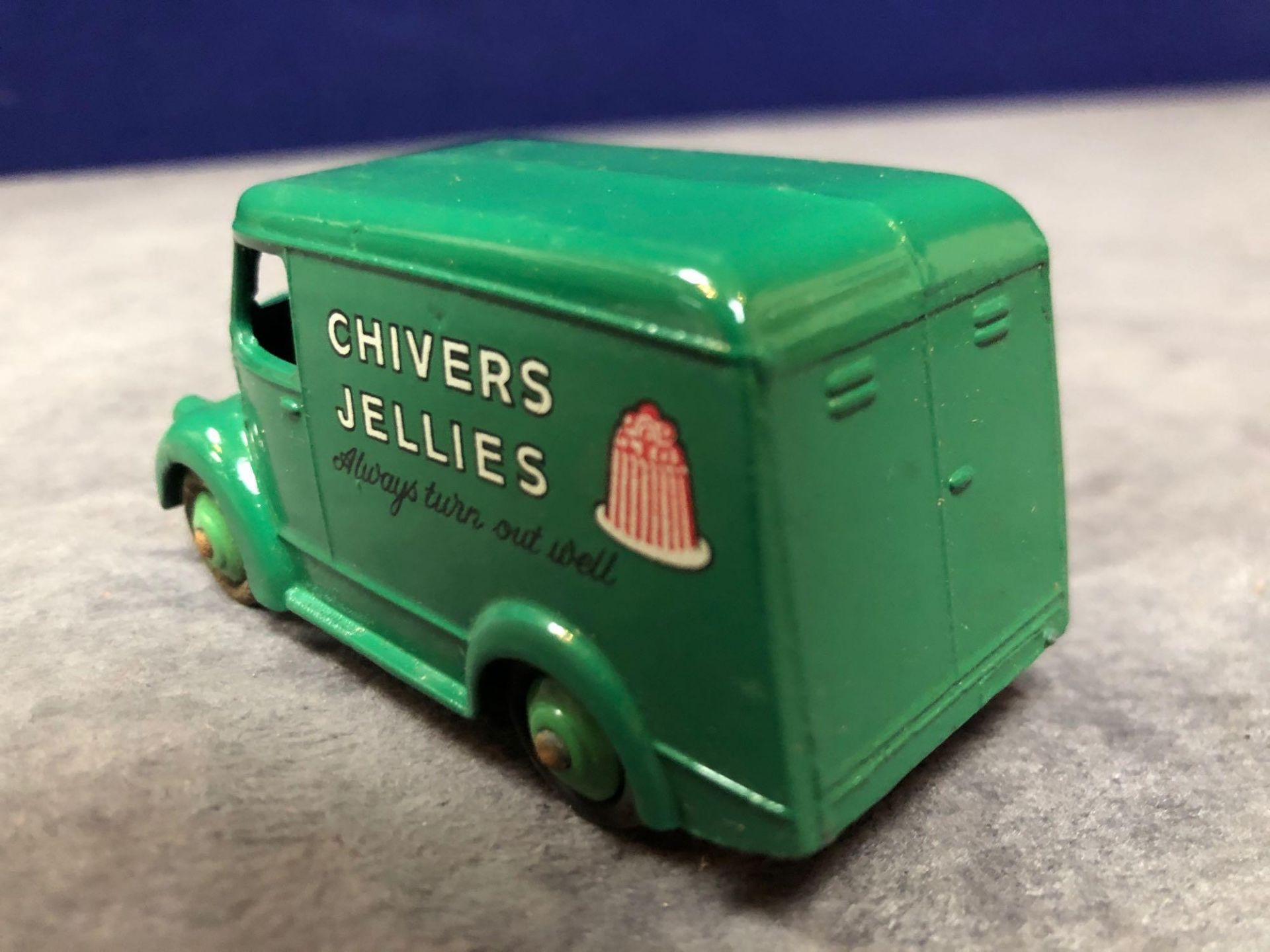 Dinky #452 Trojan 15cwt Van (Chivers) Green Model Is Mint Has A Slight Mark On Roof In A Solid - Image 3 of 4