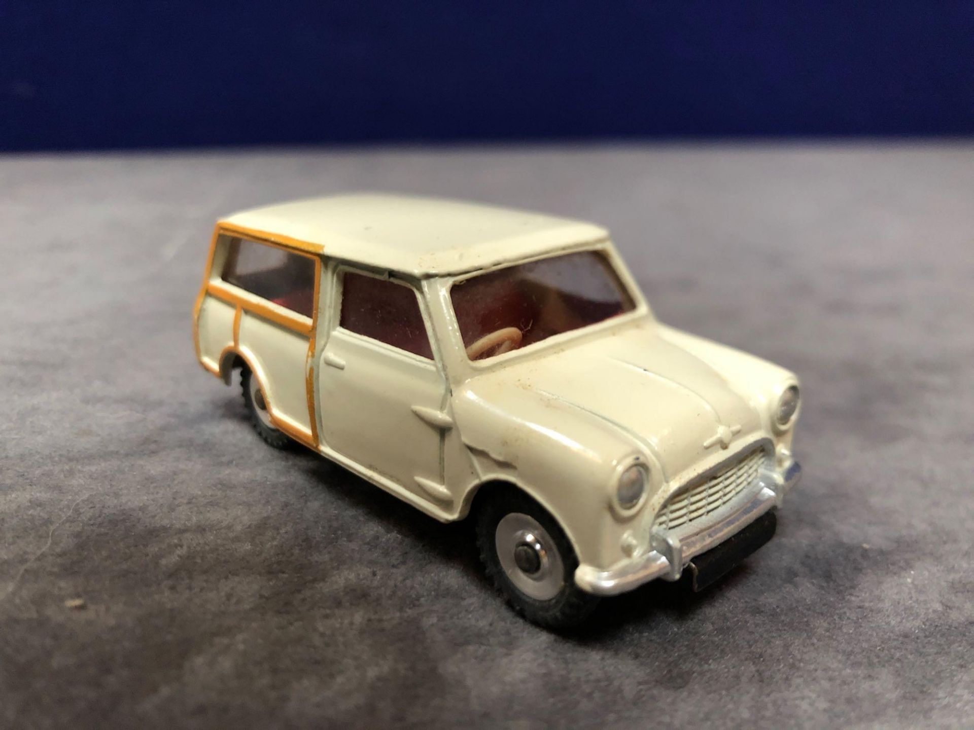 Dinky #197 Morris Mini Traveller Cream - Cream Body, Tan Woodwork And Red Interior. Mint In - Image 2 of 4