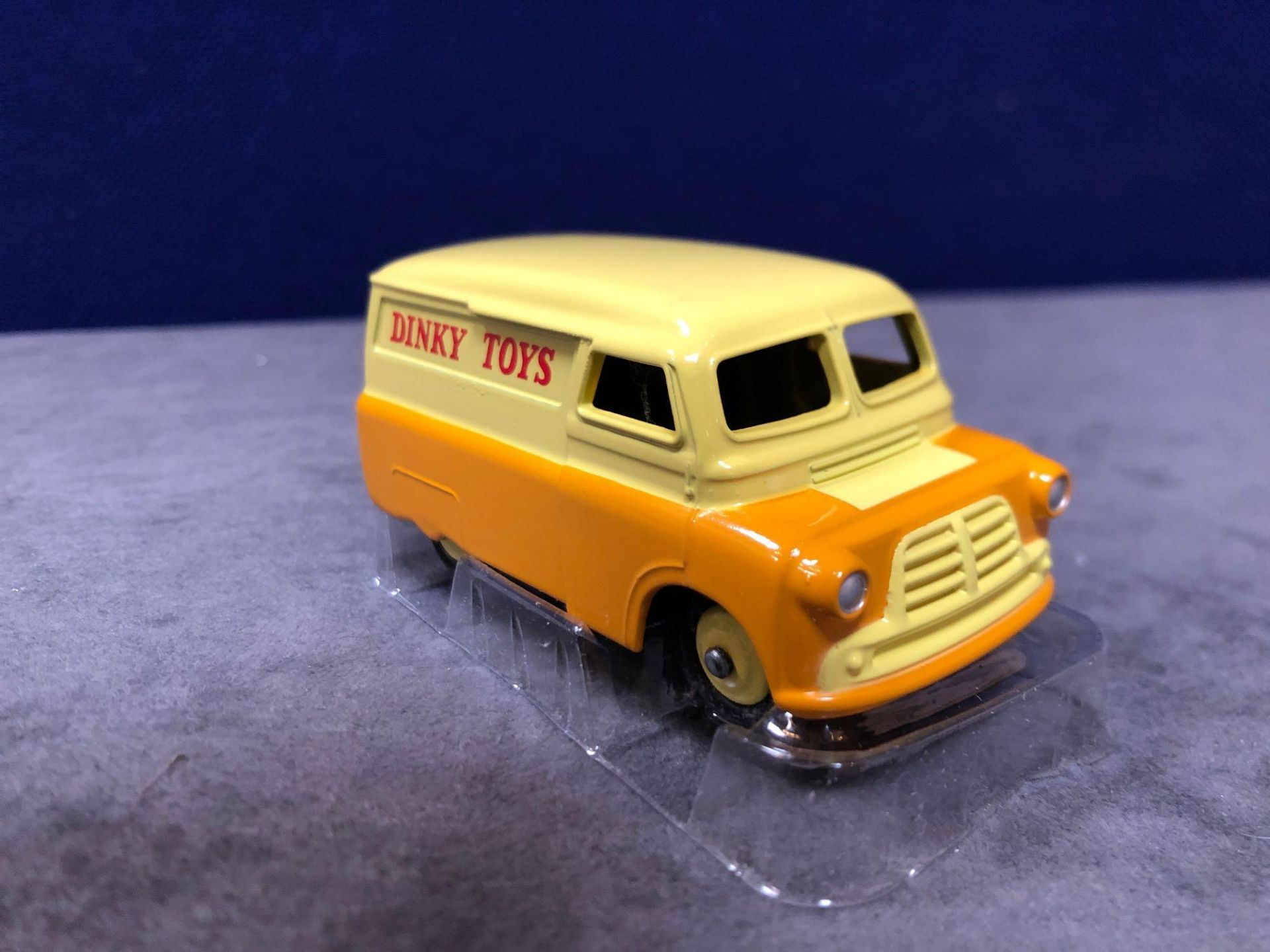 Dinky (Norev Edition) Diecast #482 Bedford 10 CWT Van Dinky Mint With Box 1956-1960 - Image 3 of 3