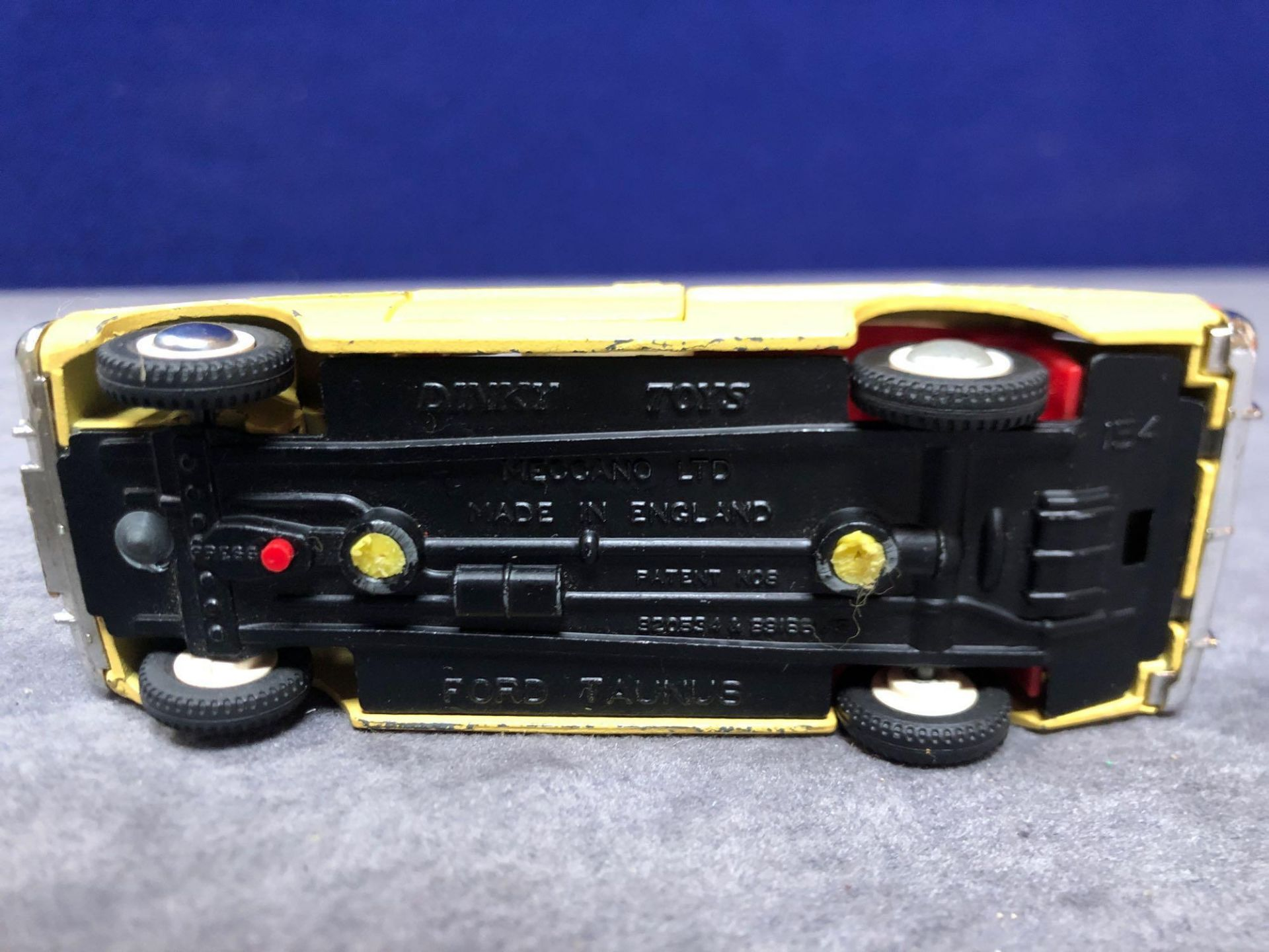 Dinky #154 Ford Taunus 17m Yellow/White - Red Interior 1966 - 1969 Unboxed Very Good Condition - Image 4 of 4